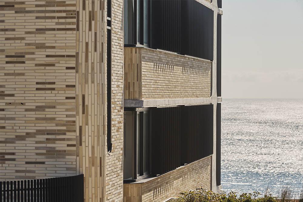 Aquilam apartments - Ghost Emperor bricksMORE
