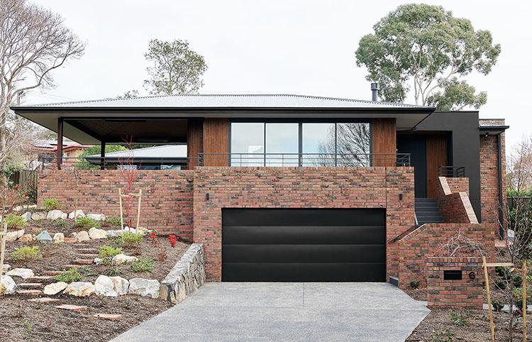 Canberra Home - Red Blue Clinker bricksMORE