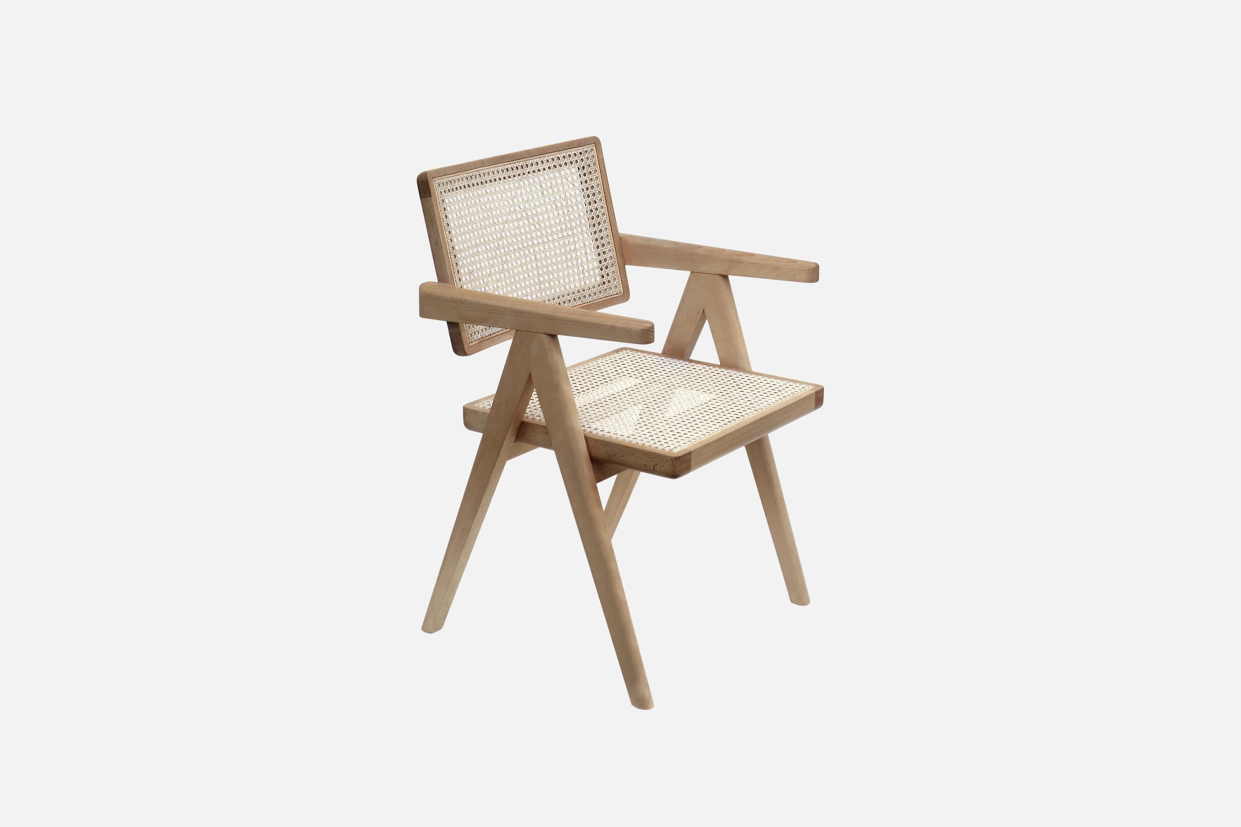 01_Cadeira-de-Madeira.jpg