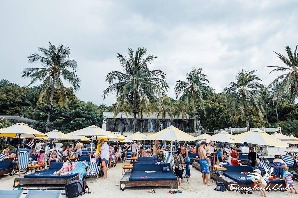 Daybeds at Tanjong Beach Club (Photo credits: Tanjong Beach Club)