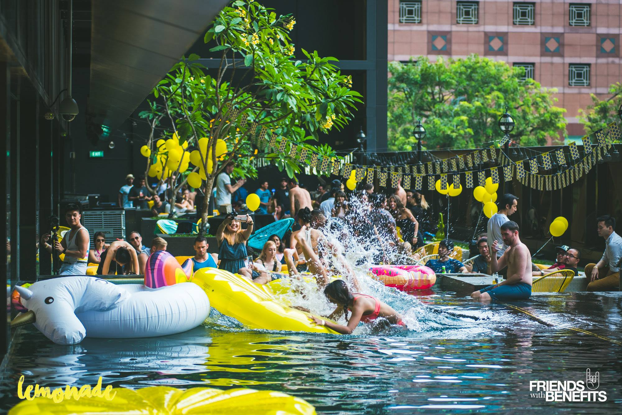 Lemonade Pool Party 6th May (Photo credits: Friends with Benefits Singapore)