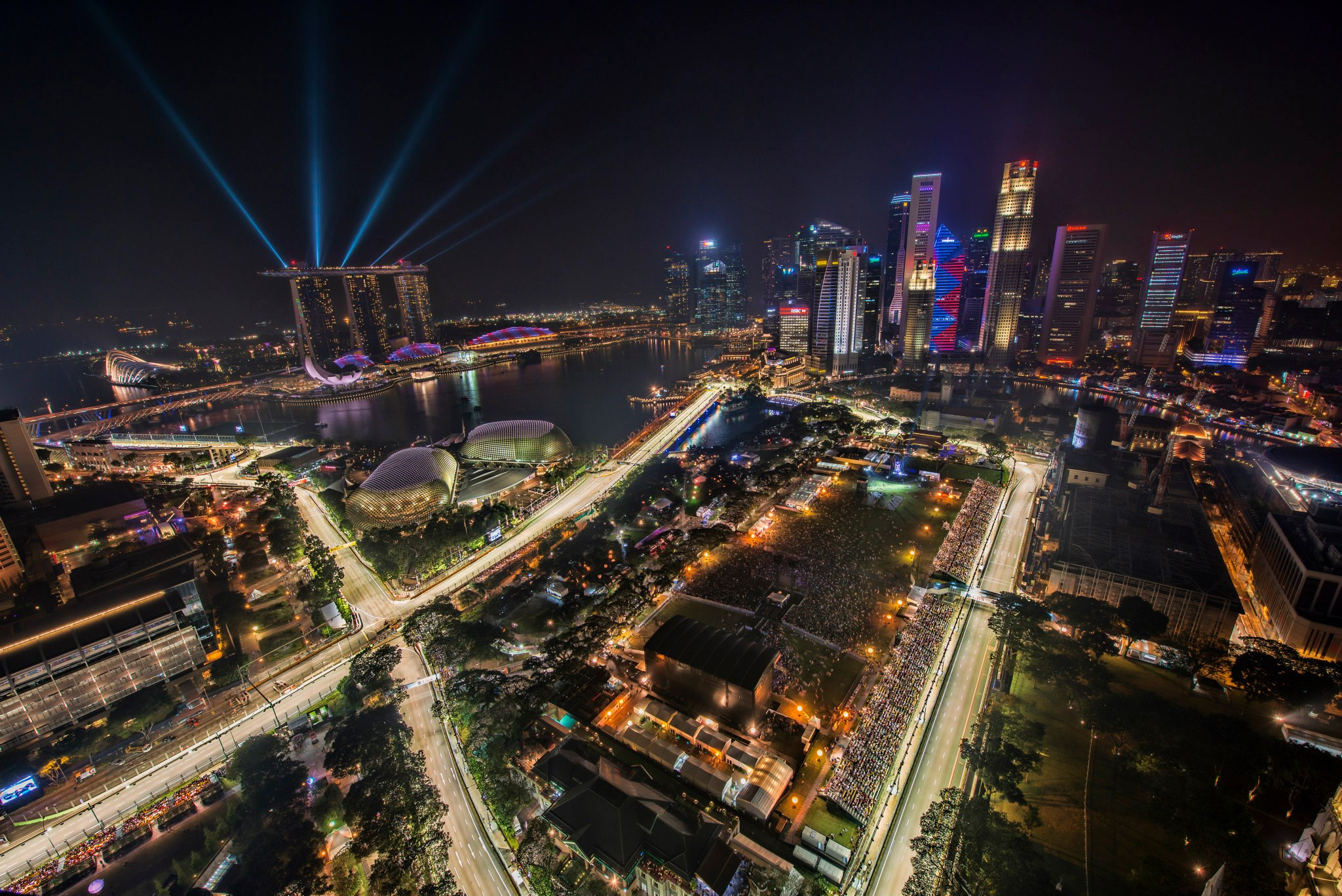 1_singapore_f1_night_race_2012_city_skyline.jpg
