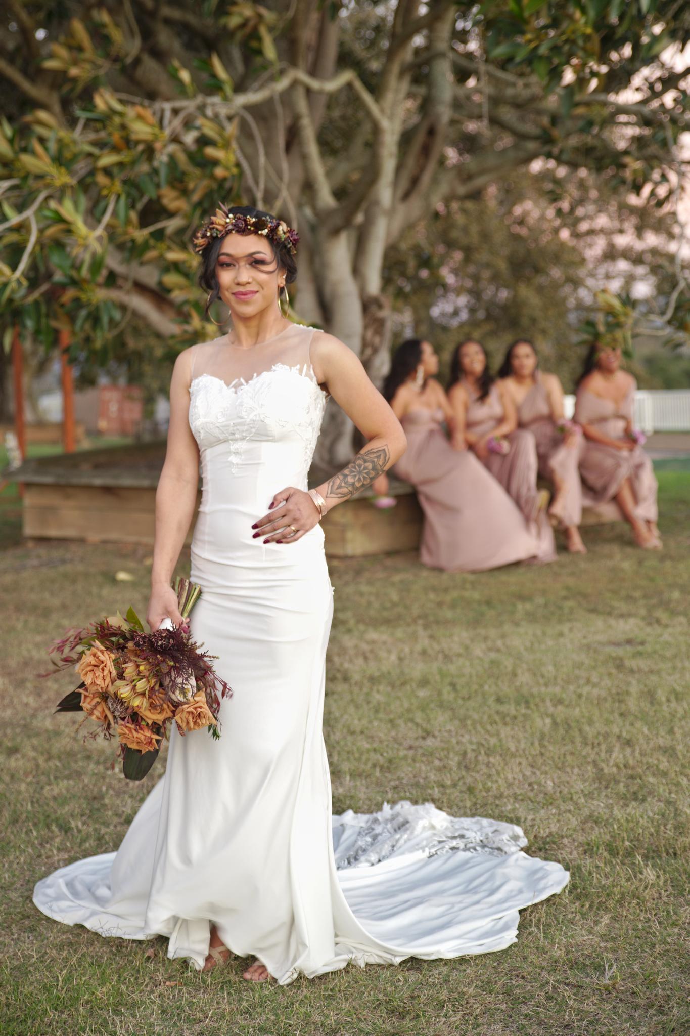 bride_and_bridesmaid_5.jpg