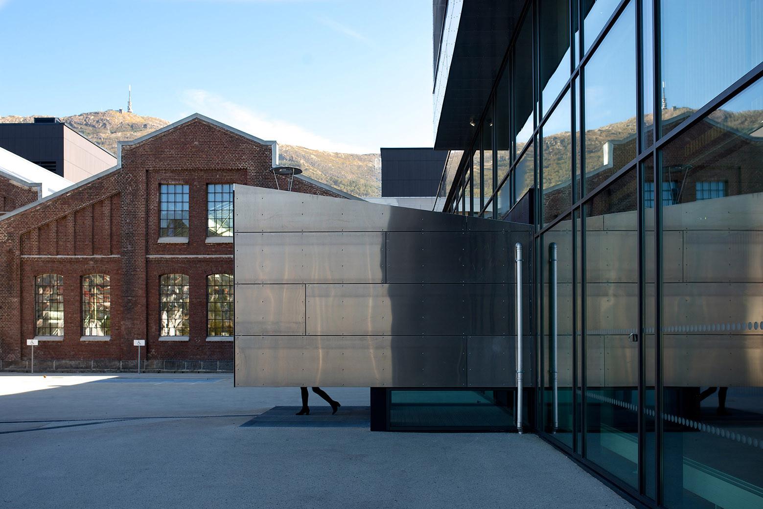 BERGEN UNIVERSITY COLLEGE / CUBO + HLM ARCHITECTURE