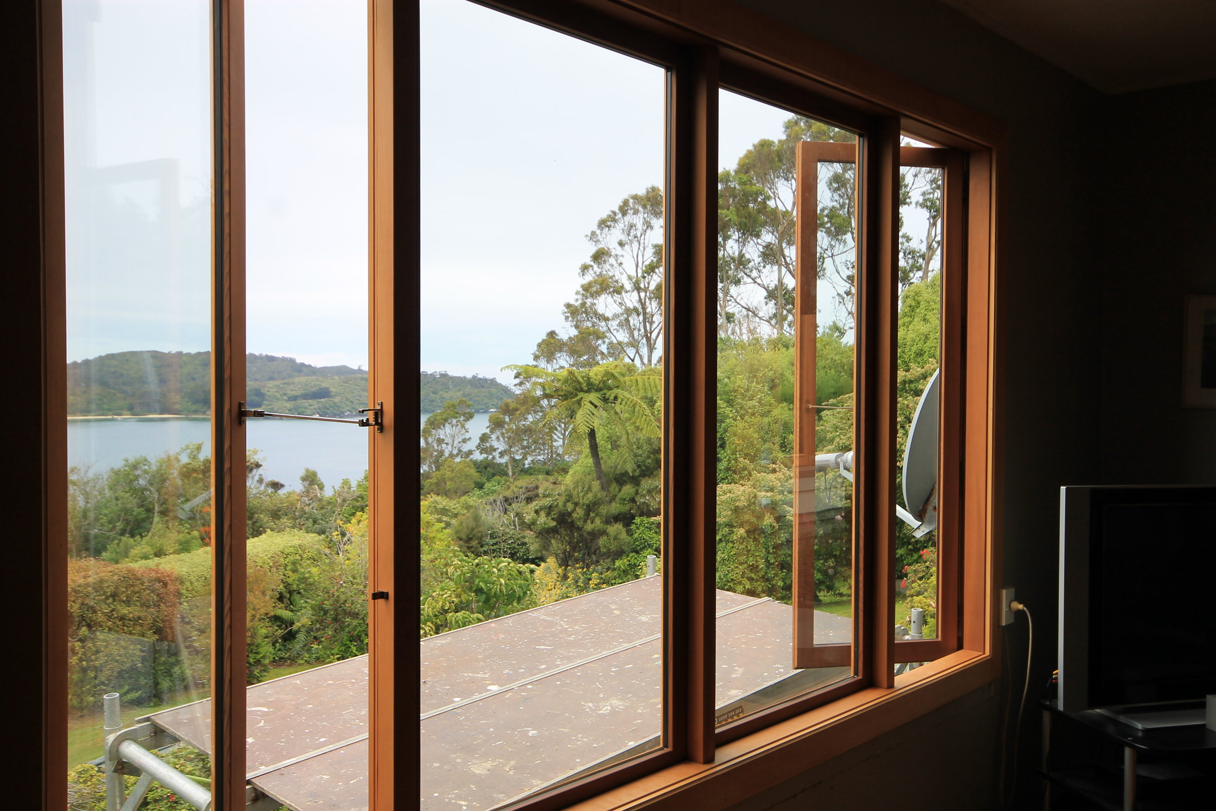 double glazed windows, joinery, timber furniture and wedding giftware.  Located in Invercargill, servicing queenstown and southland, with shipping NZ wide.