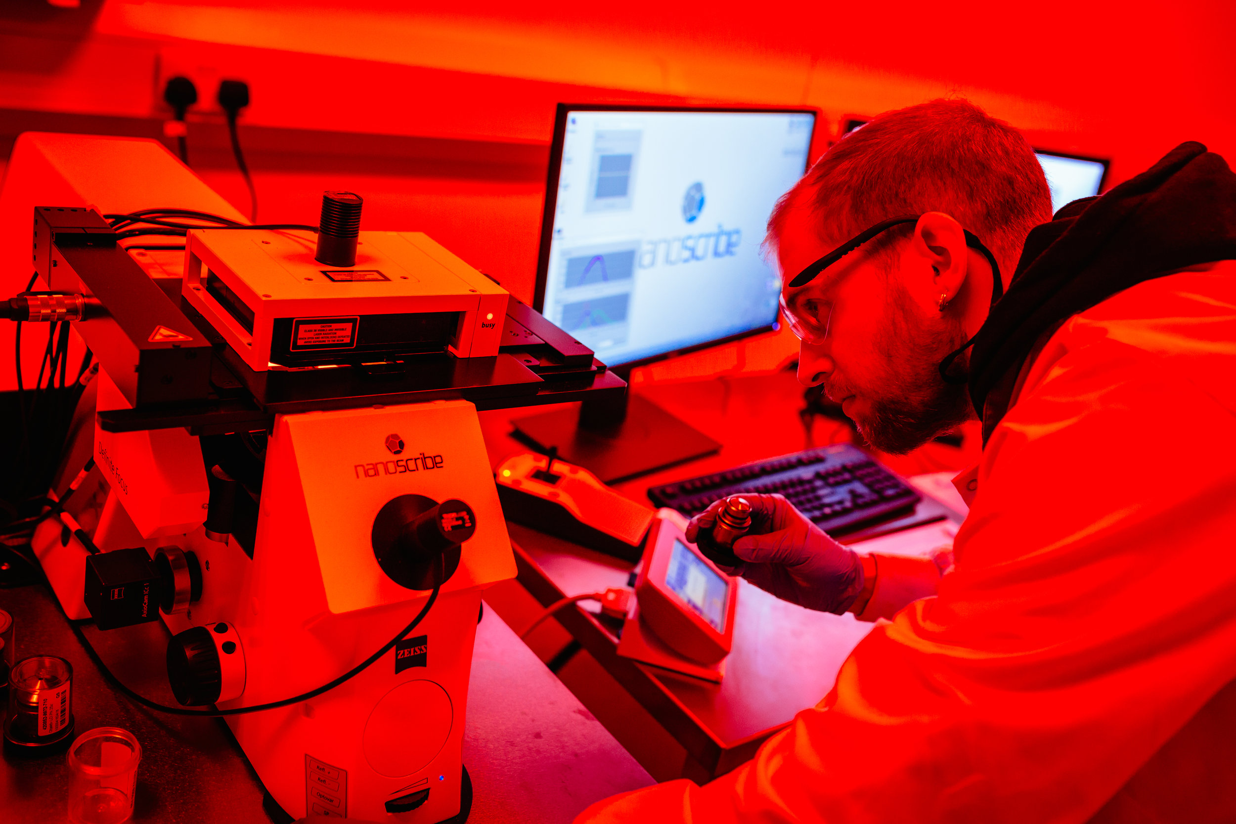 NANOSCRIBE PHOTONIC PROFESSIONAL GT 3D LASER LITHOGRAPHY SYSTEM