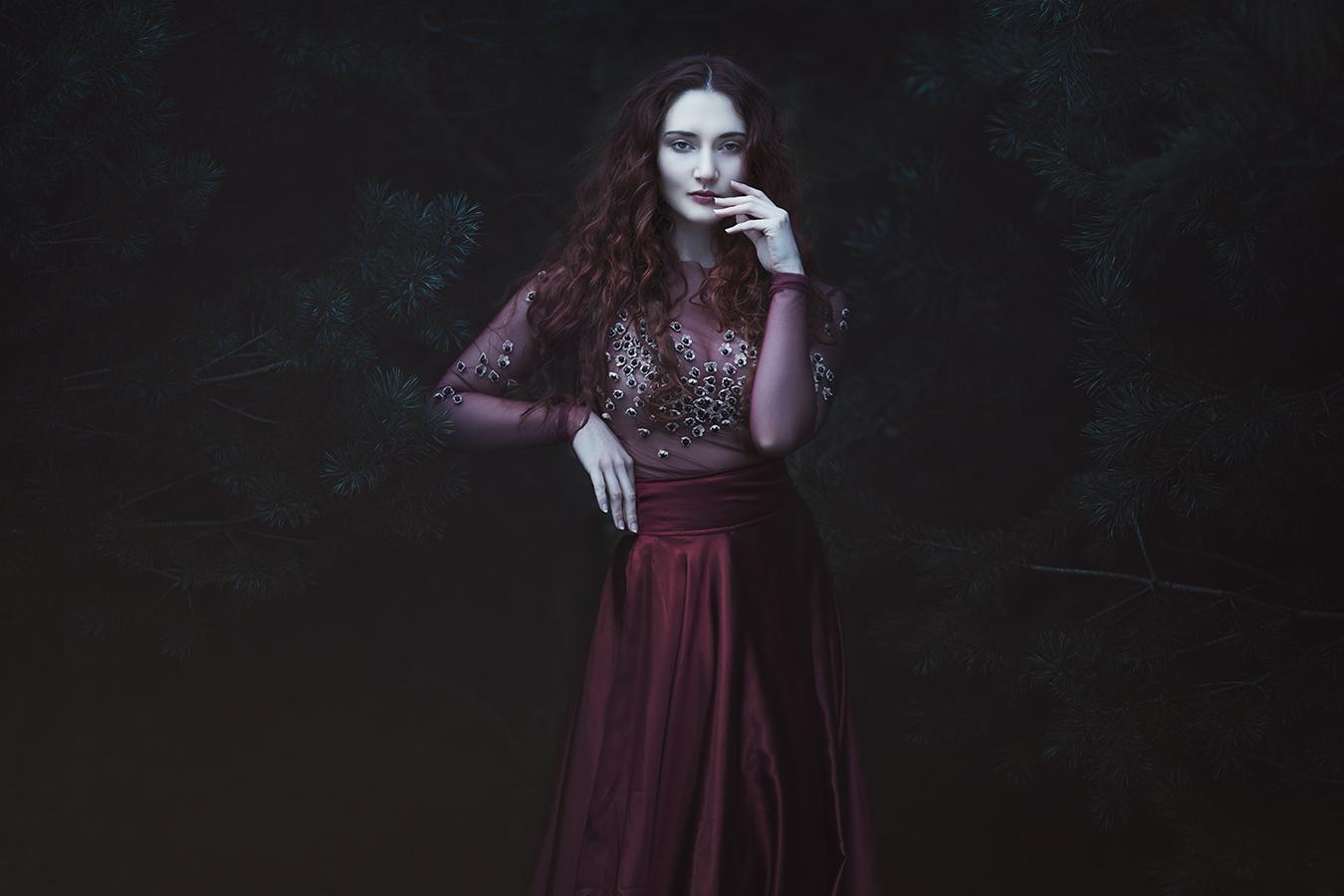 Photographer:  Anjelica Hyde   Designer:  General Guerisse
