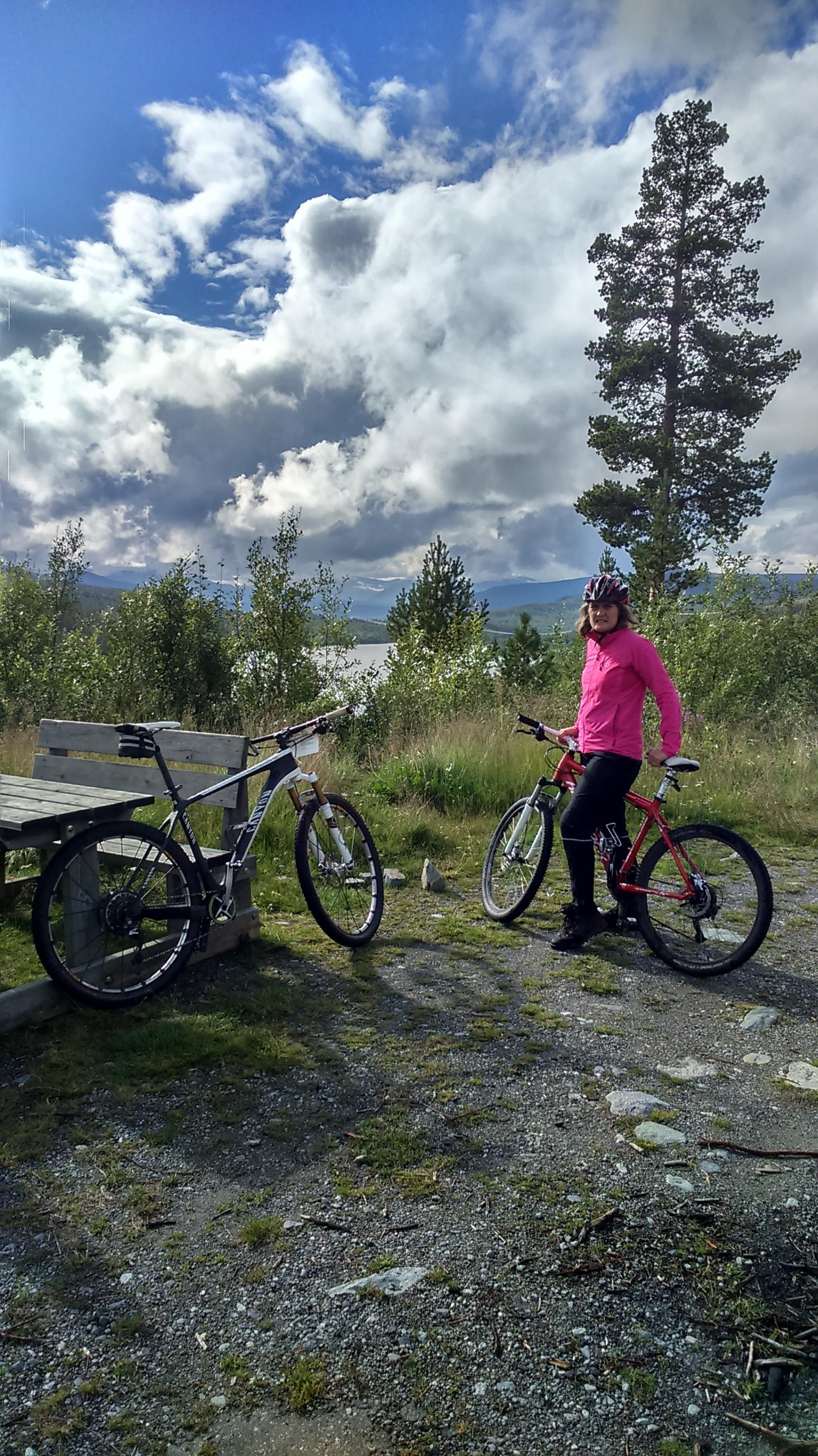 SYKLING I ESPEDALEN     Gode grusveier og smale stier. Sykkelkart for Peer Gynts rike.