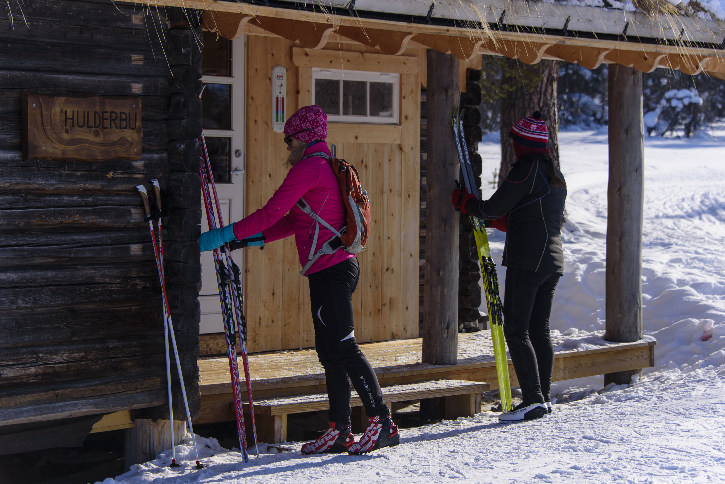 VARMESTUENE I FJELLET     Sammen med vår gode nabo Ruten Fjellstue har vi 3 varmestuer ute i fjellet til fri benyttelse for hotellets gjester.