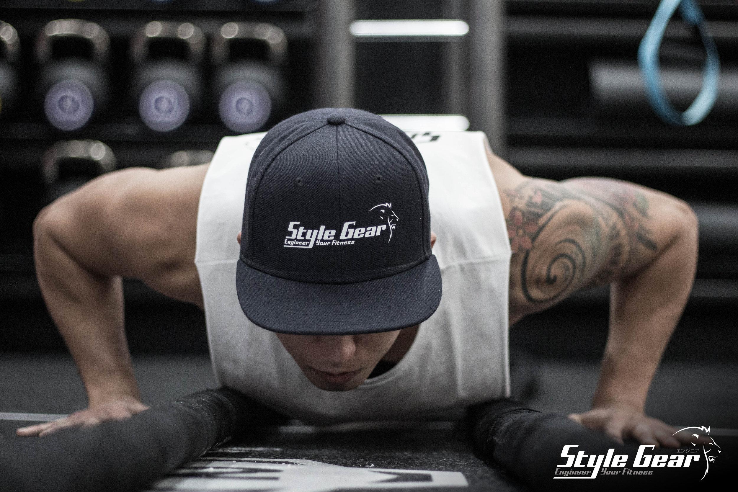 Davide push-ups con logo SG.jpg