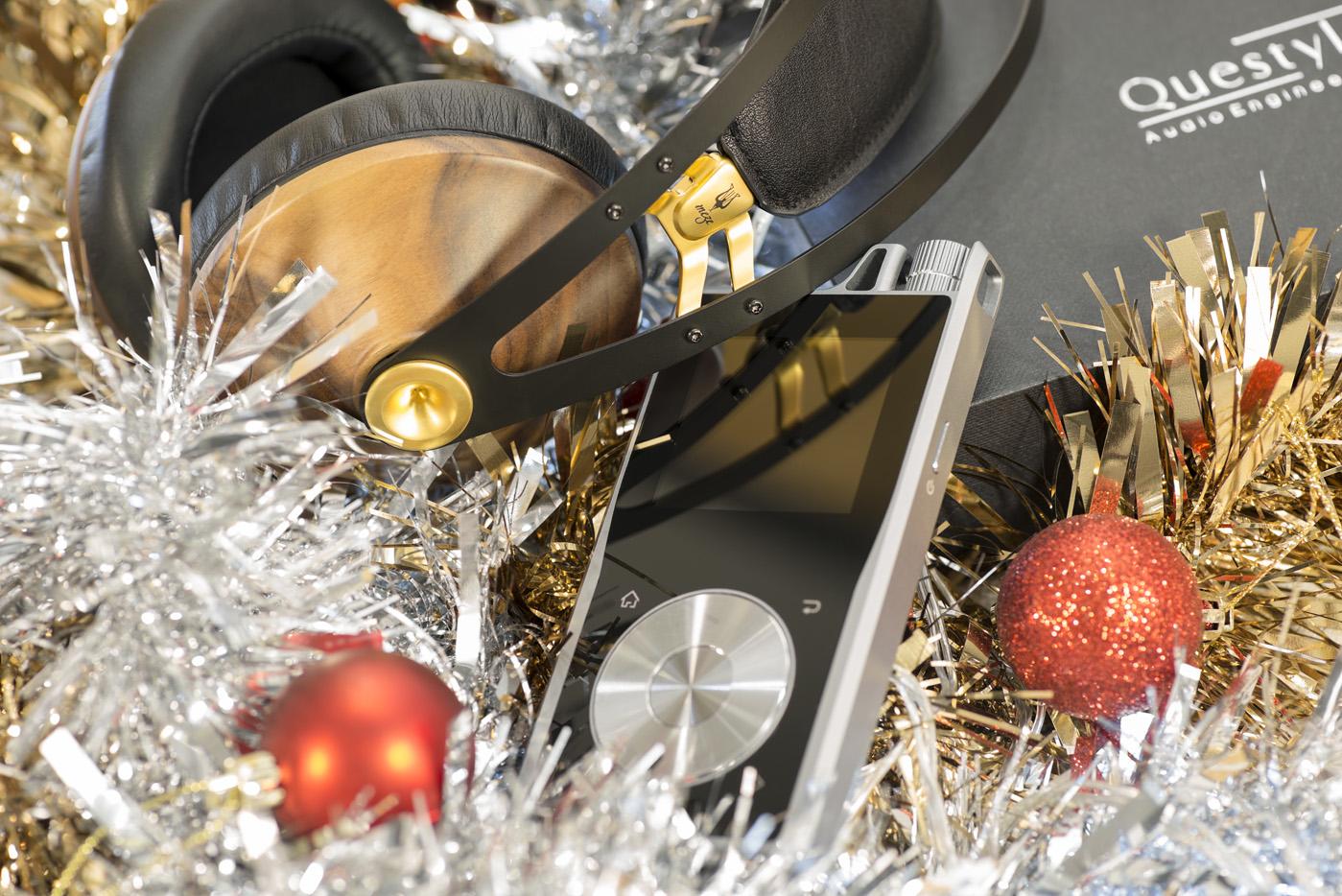 10% OFF - Meze 99 Classics Headphones + Questyle QP1R High-Res Digital Audio Player
