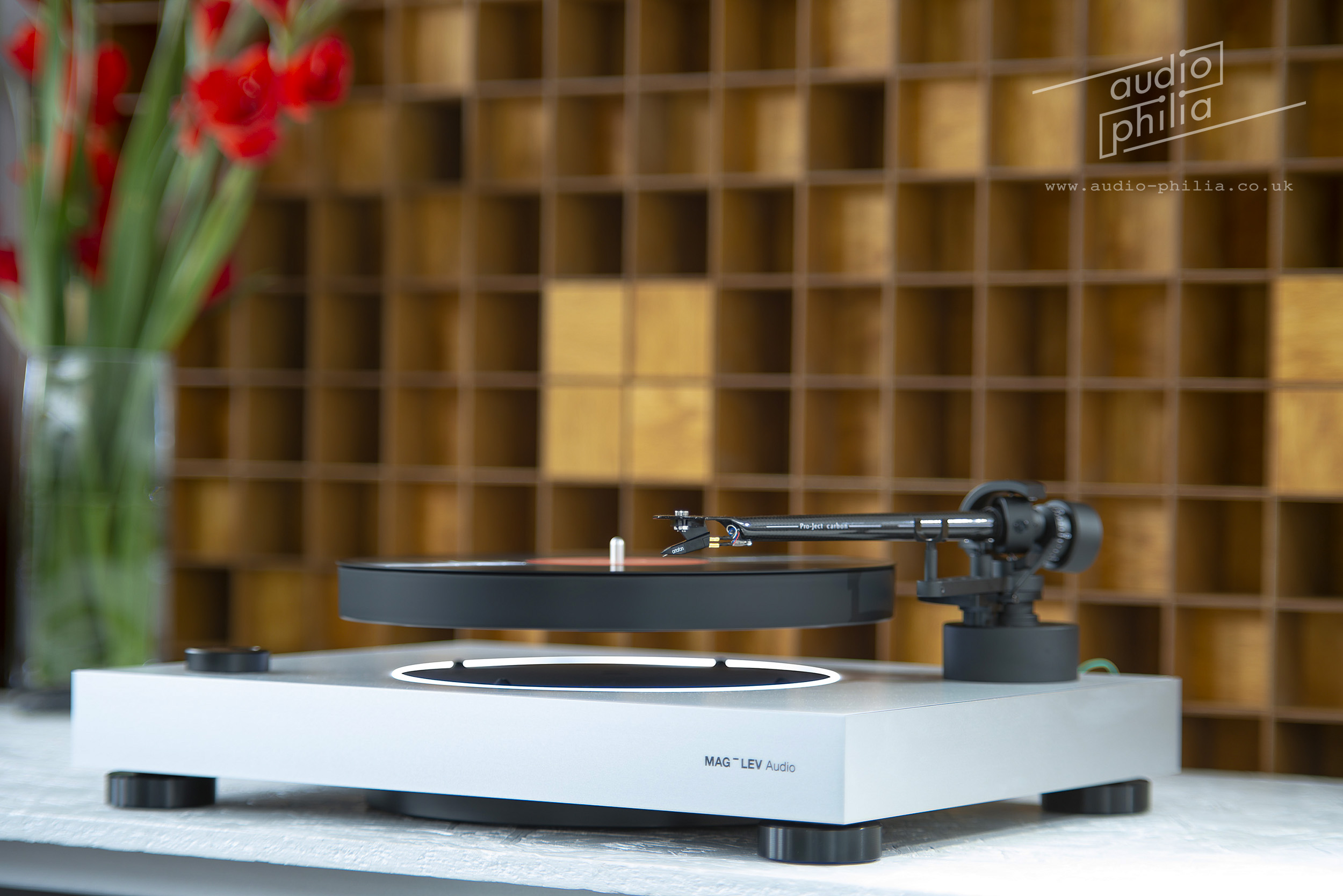 mag-lev-levitating-turntable-audio-philia-edinburgh-5.jpg