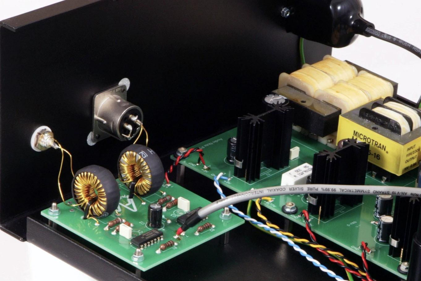 audio-note-cdt-two-ii-cd-transport-internal.jpg