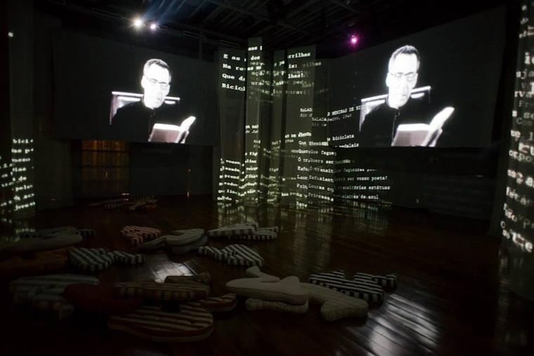 "Vinicius de Moraes ""Meu Tempo É Quando"" _Photograph showing the exhibition space"