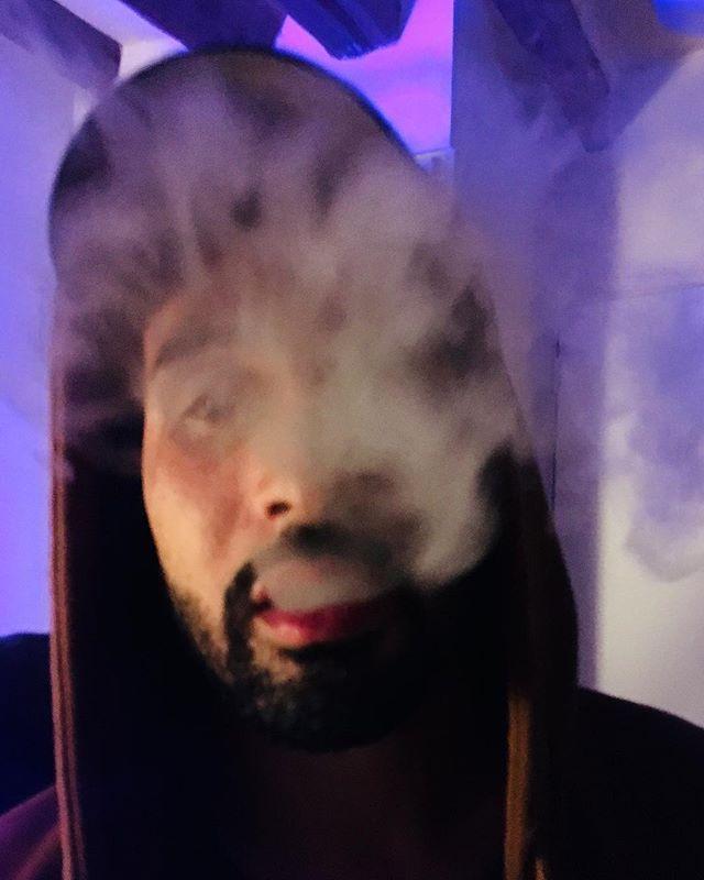 Jaja smokin' hot . . . . . #smoke #cloud #portraitphotography #portraiture #studiophoto #creativeportraits #pursuitofportraits #discoverportrait #postthepeople #peoplescreatives #thecreatorclass #portraitsmag #portraitgames #streetsdreamsmag #quietthechaos #bestportraits #portraitmood #portrait_planet #of2humans #featurecreature #createcommune #acting #actresslife #actorslife #actorslife