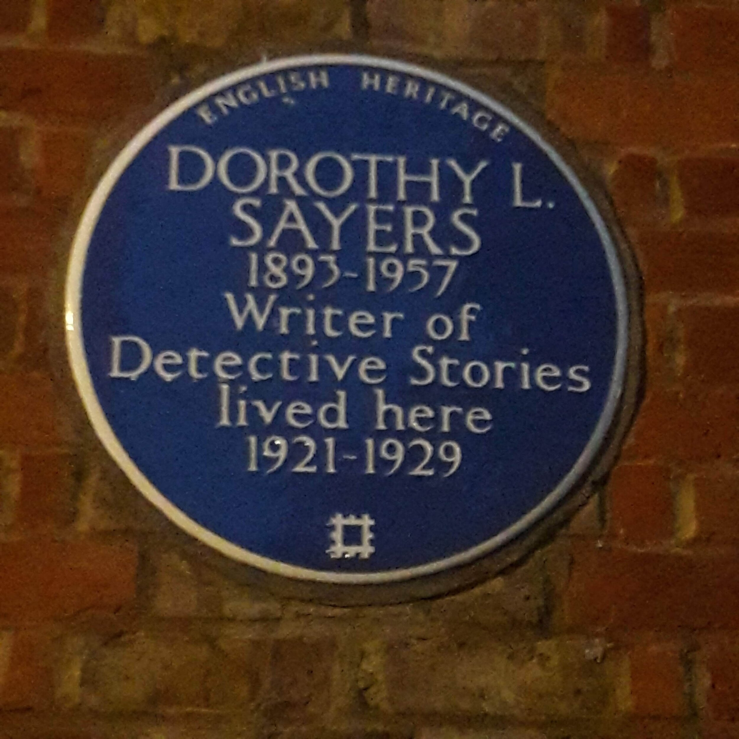 Blue Plaque outside DLS' former home, Great James Street, London
