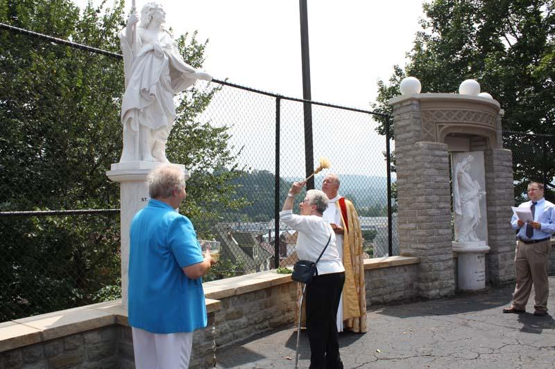 Statue Dedication.August 15.2010 077.jpg
