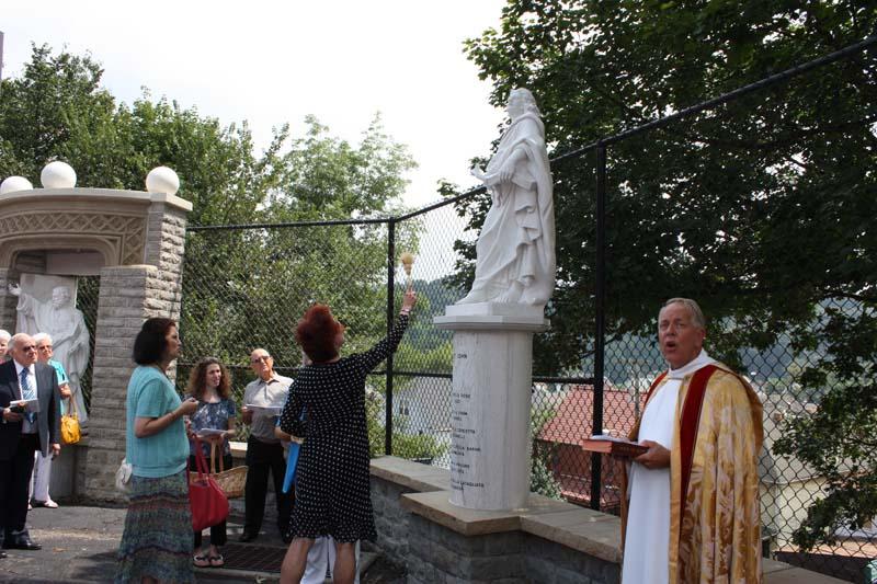 Statue Dedication.August 15.2010 084.jpg