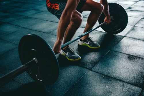 Lifting a bar from the ground (deadlift) is  simple  and highly  effective .