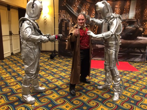 Javi in cosplay as Dr. Who with other cosplayers.