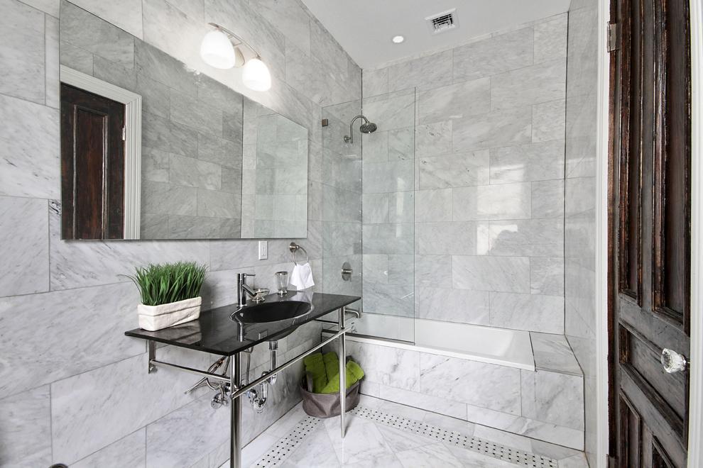 Large, Immaculate Bathroom