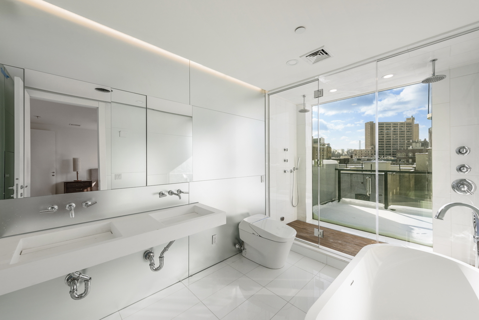 Wide Open Bathroom Design