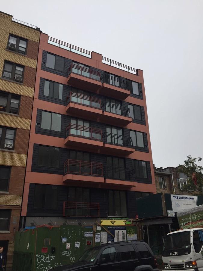 Lefferts Avenue Building Facade