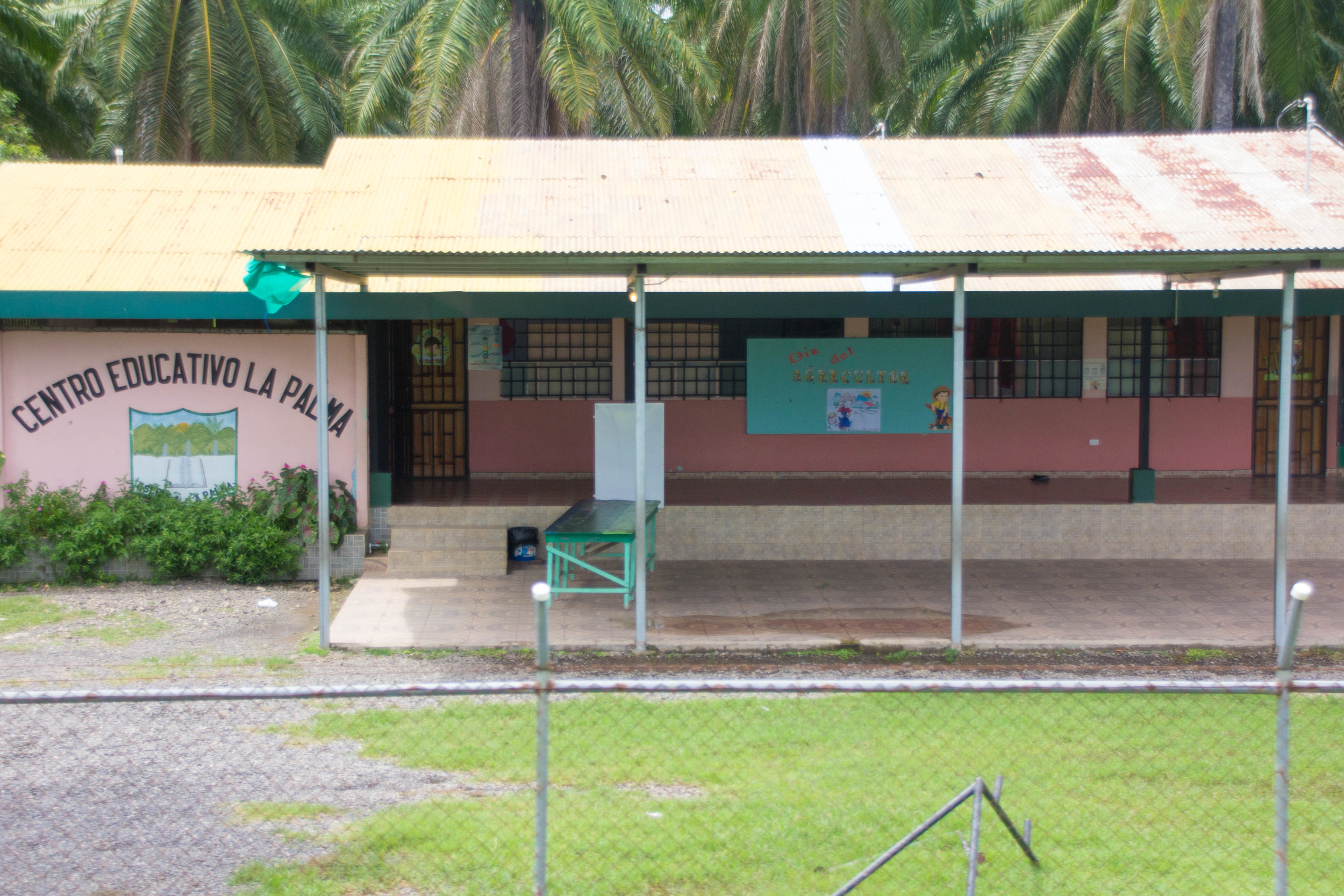 A school outside of Bejuco