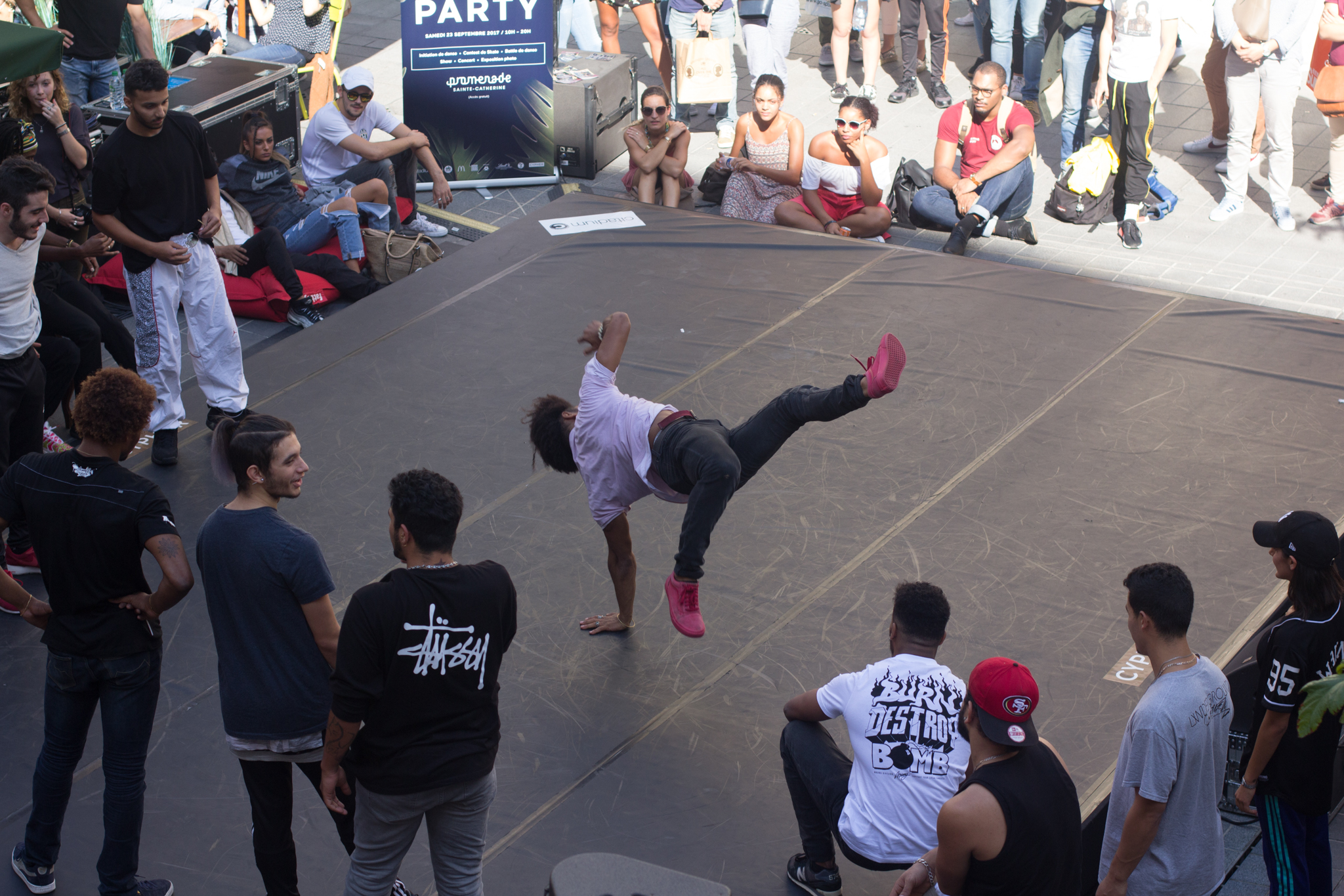 These breakdancing street performers were amazing to watch!