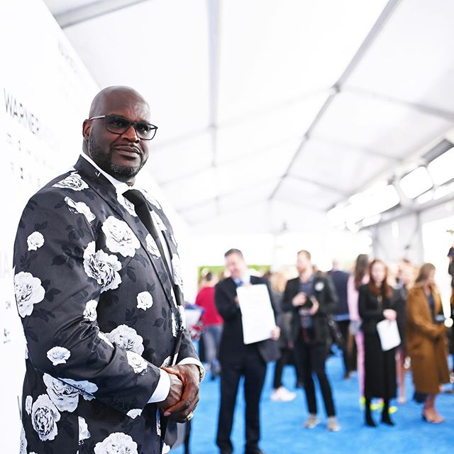 A candid moment with @Shaq on the #WarnerMediaUpfront blue carpet. #NBAonTNT