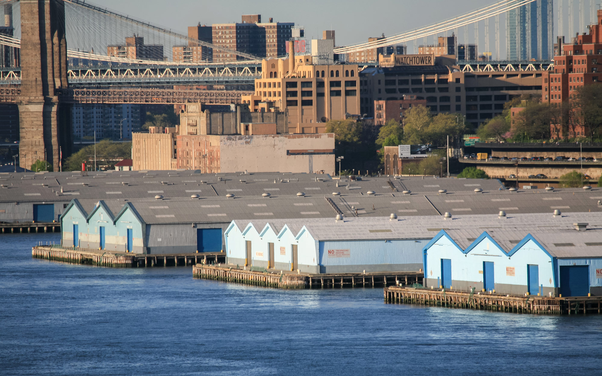 Red-Hook-Container-Terminal-494976974_4327x2885.jpg