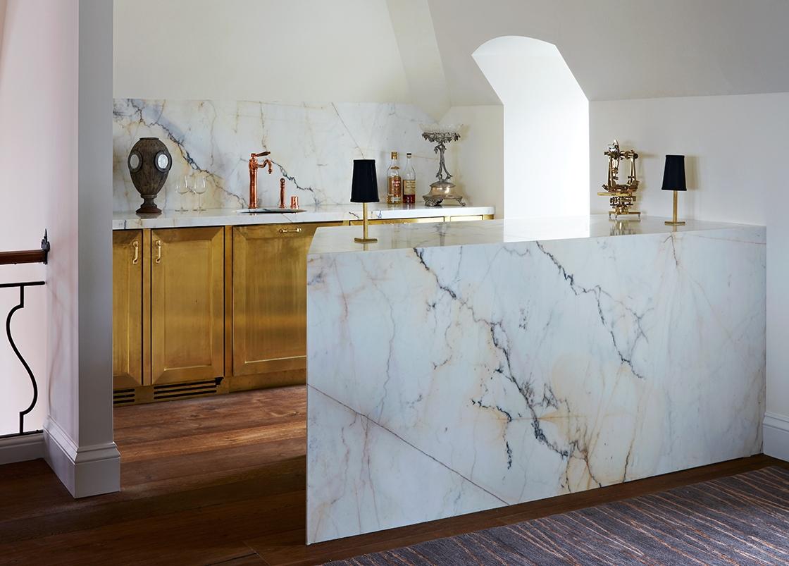 Custom Bar