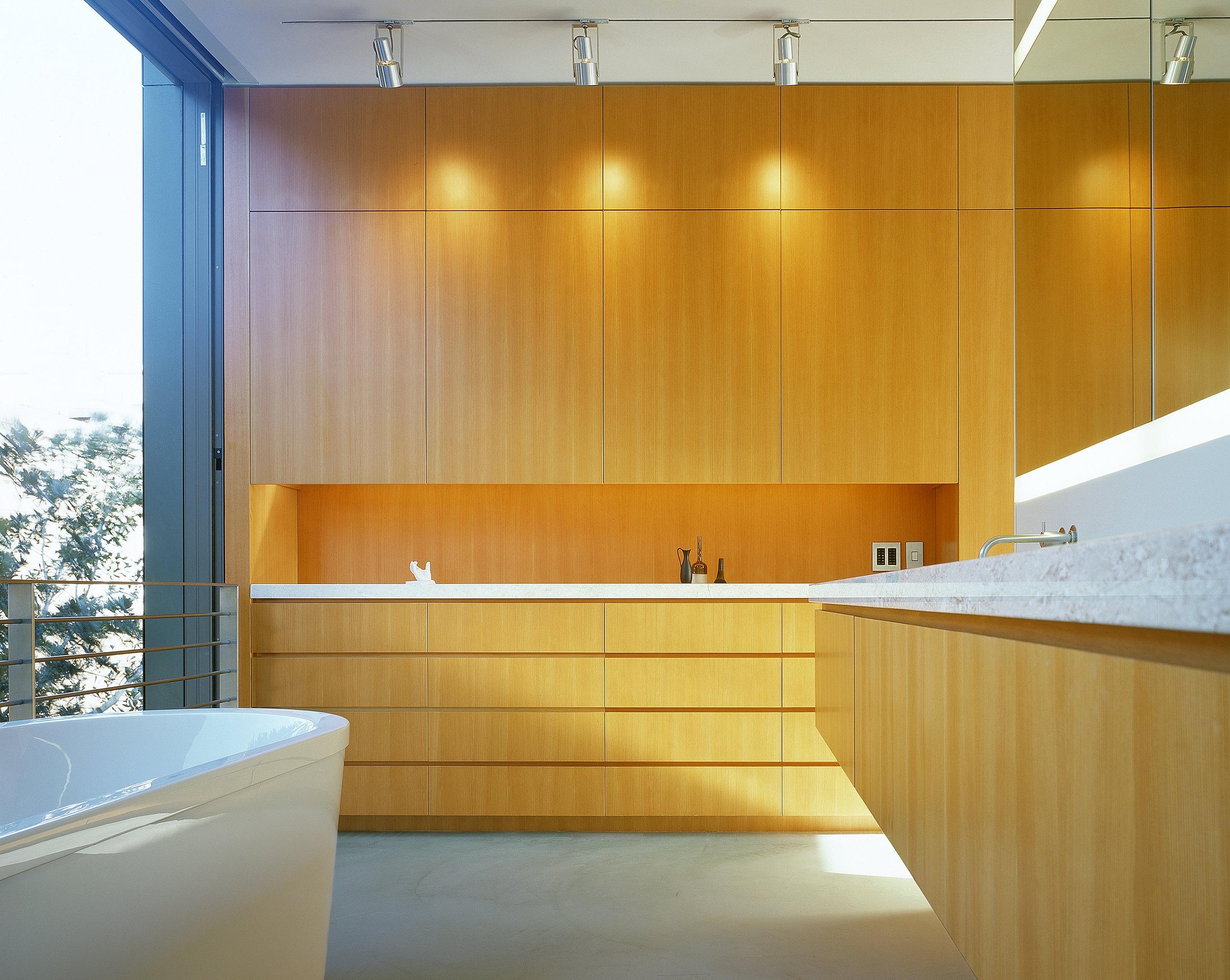 17 Bathroom_I_bdr_SR.V2 .jpg