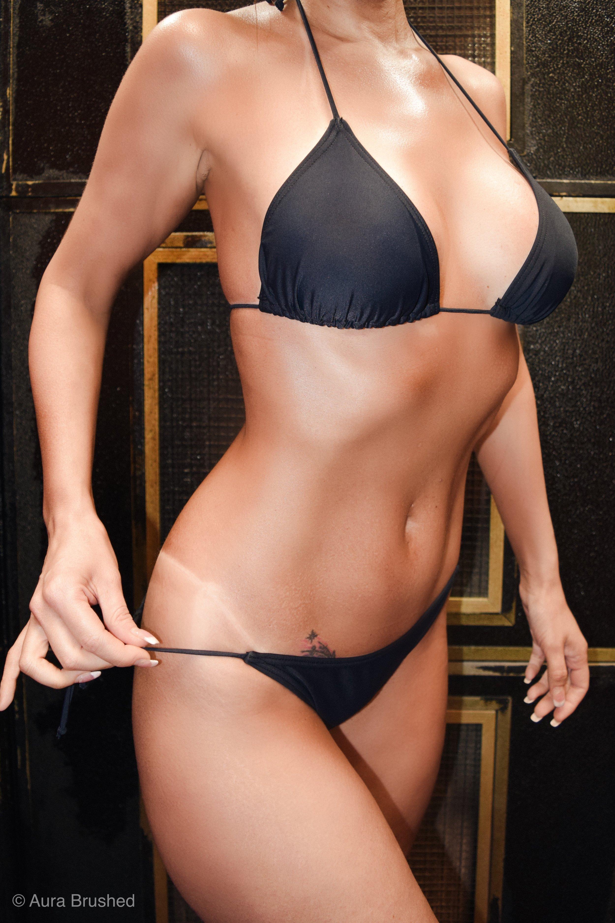 Model: Lindsey Madison  Tan/Photos: Aura Brushed