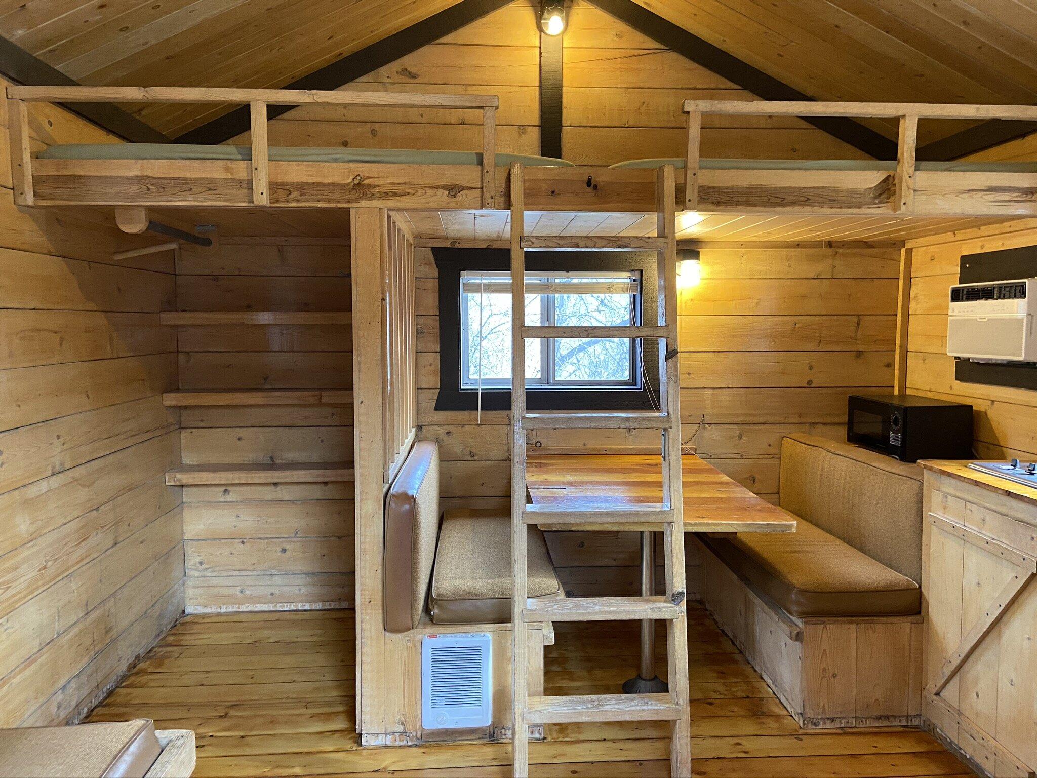 Small Cabins Lo Lo Mai Springs