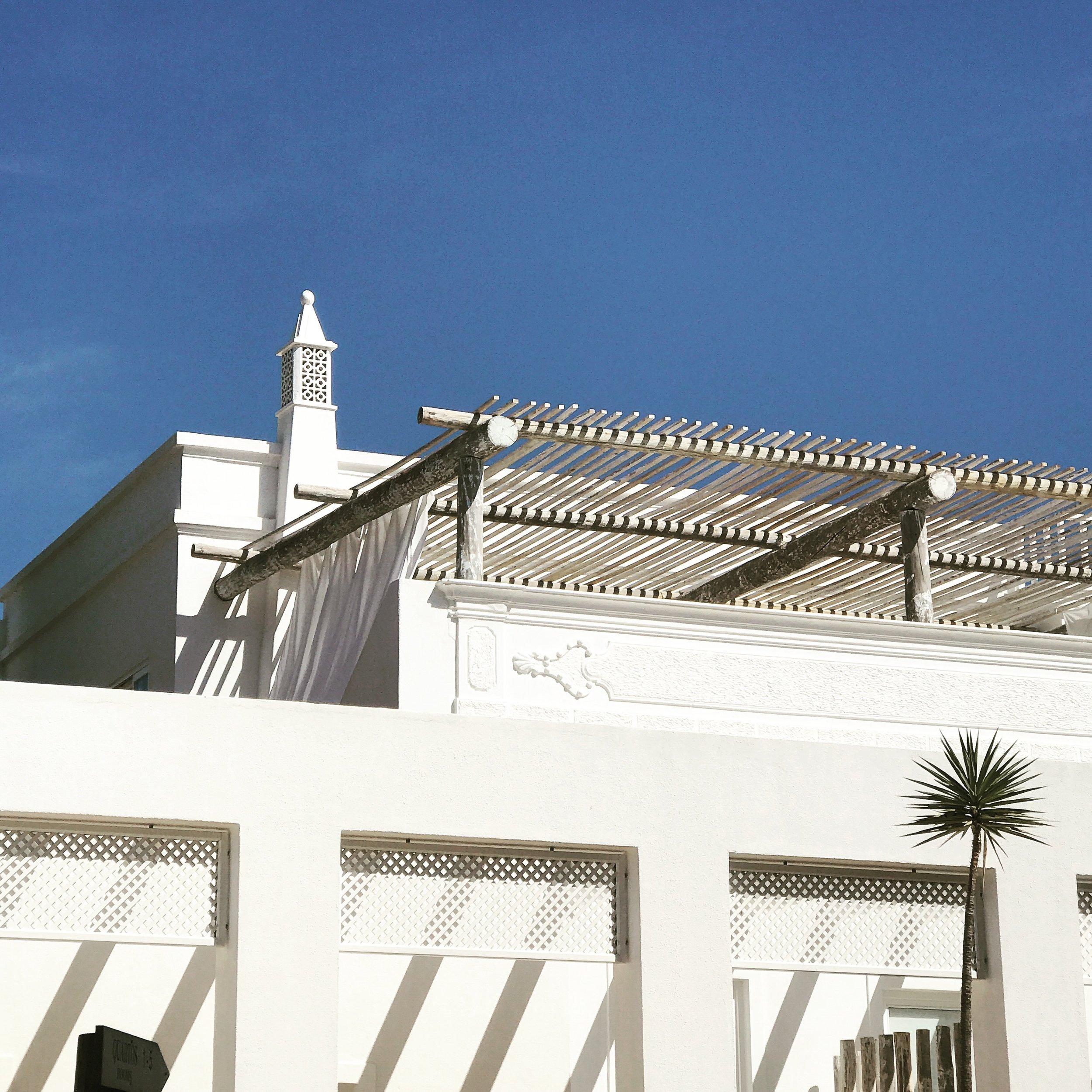 LusitanoStudio_Algarve_Cropped.jpeg