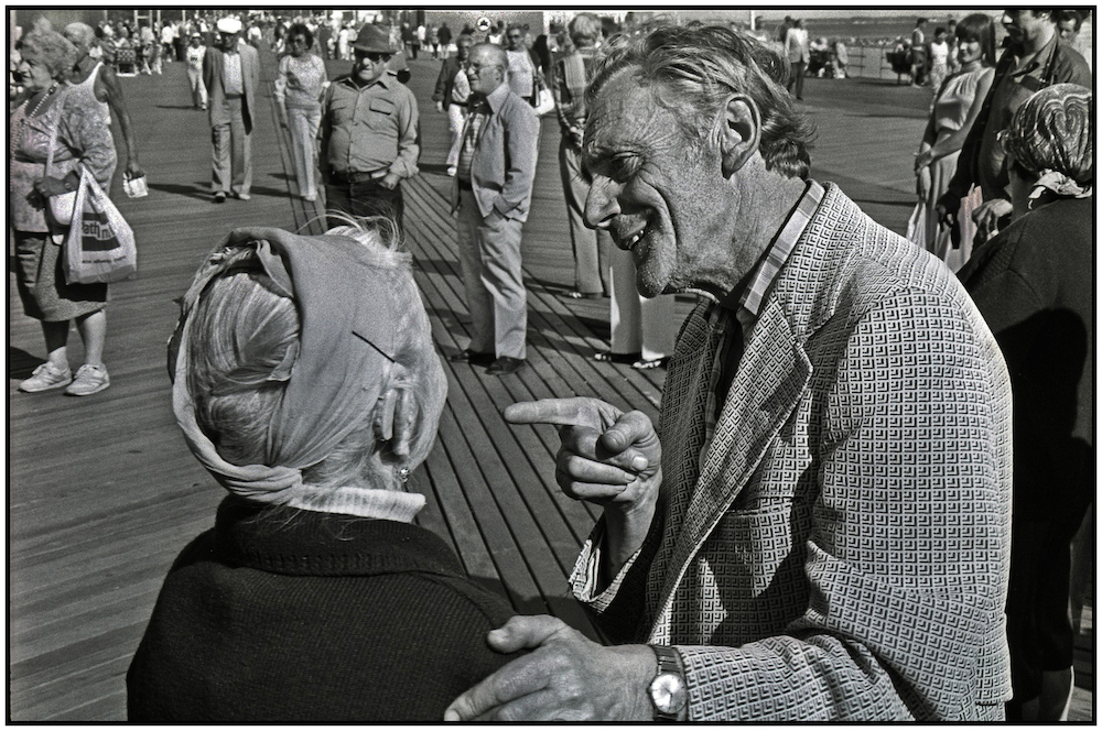 Sunday socializing. Brighton Beach Boardwalk. Sept. 14, 1986