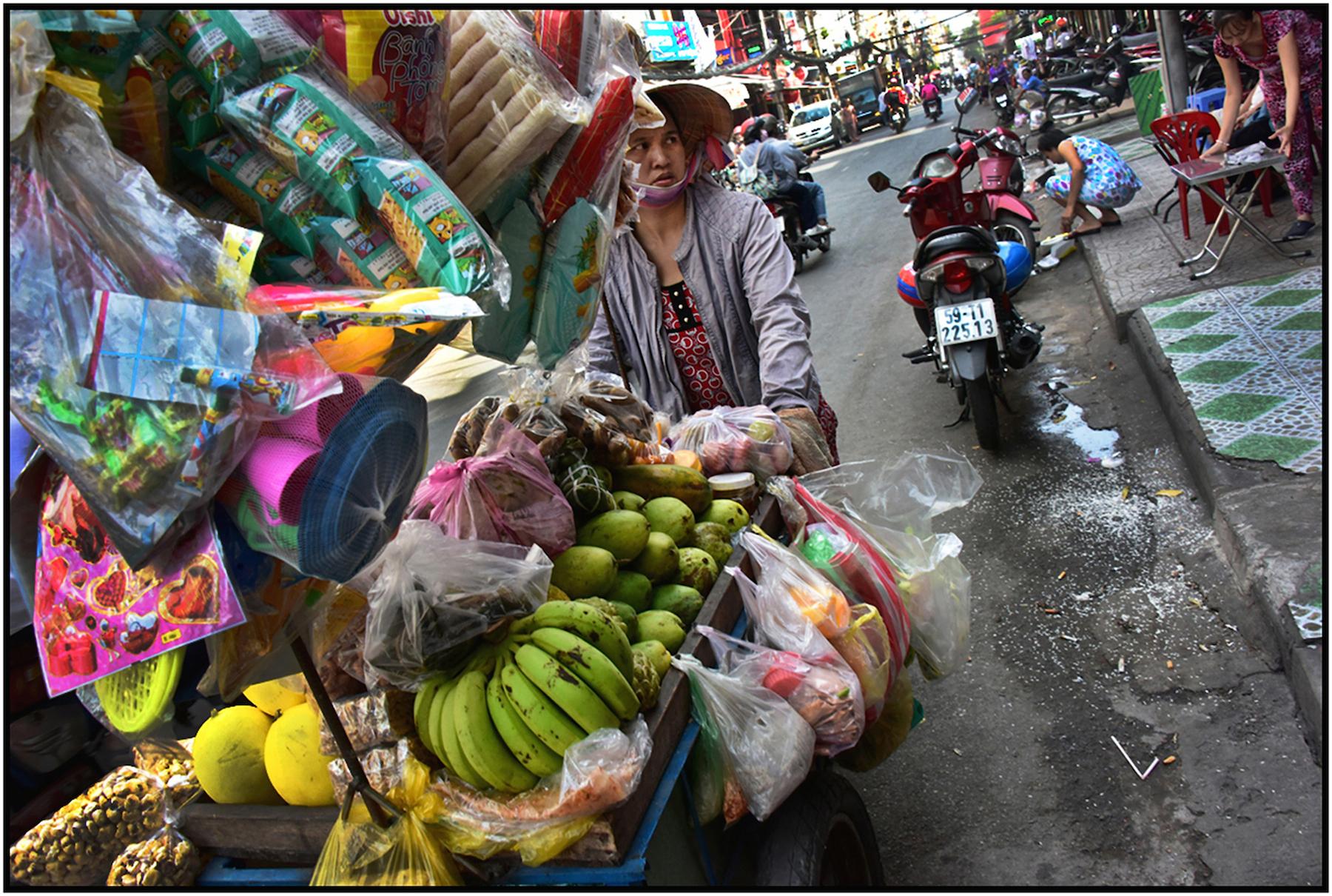 Vendor, Bui Vien Street, Saigon/HCMC, Dec. 2015. #3517