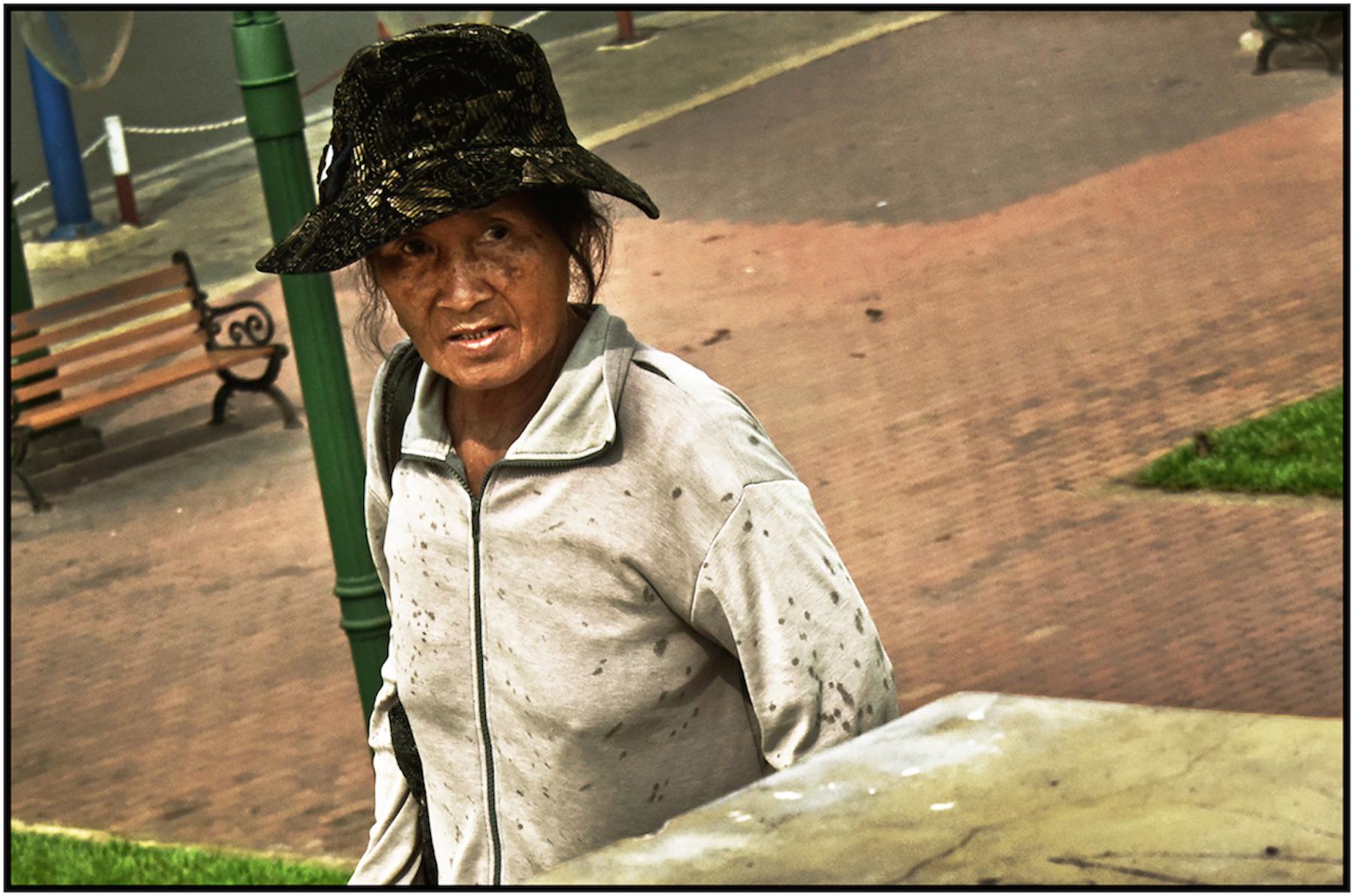 Impoverished woman, Saigon/HCMC, Dec. 2015. #3381