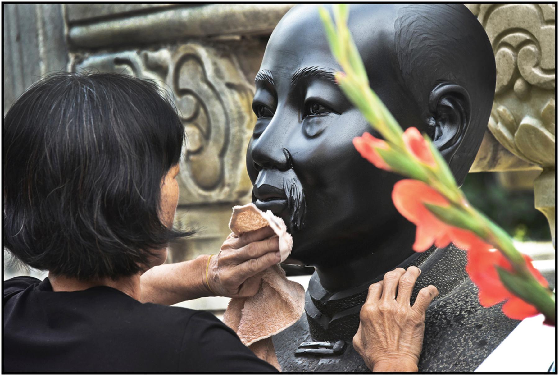 Ho Chi Minh sculpture in central courtyard of Binh Tay Market, Cholon, Saigon /HCMC, Dec 2015.