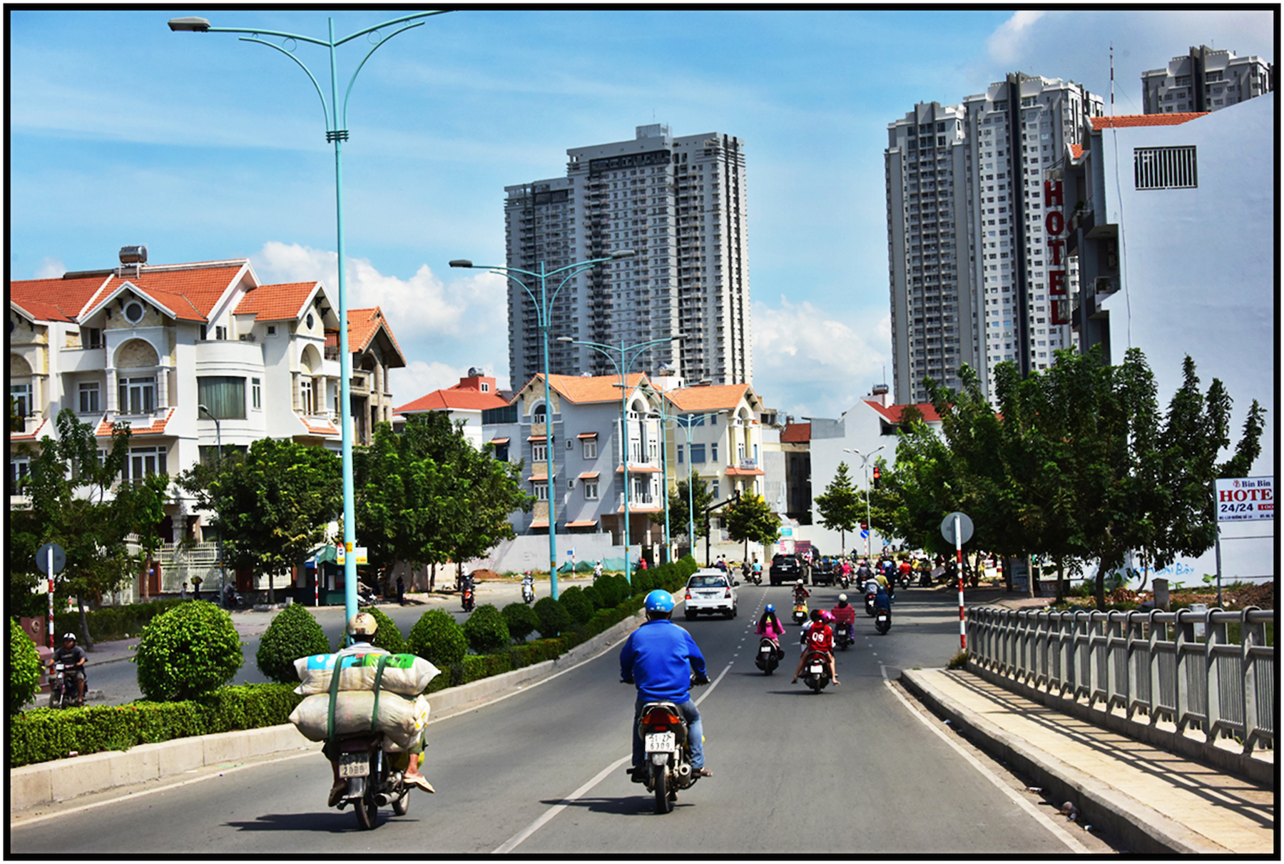 High and low rise luxury condo development, Saigon/HCMC. #5510