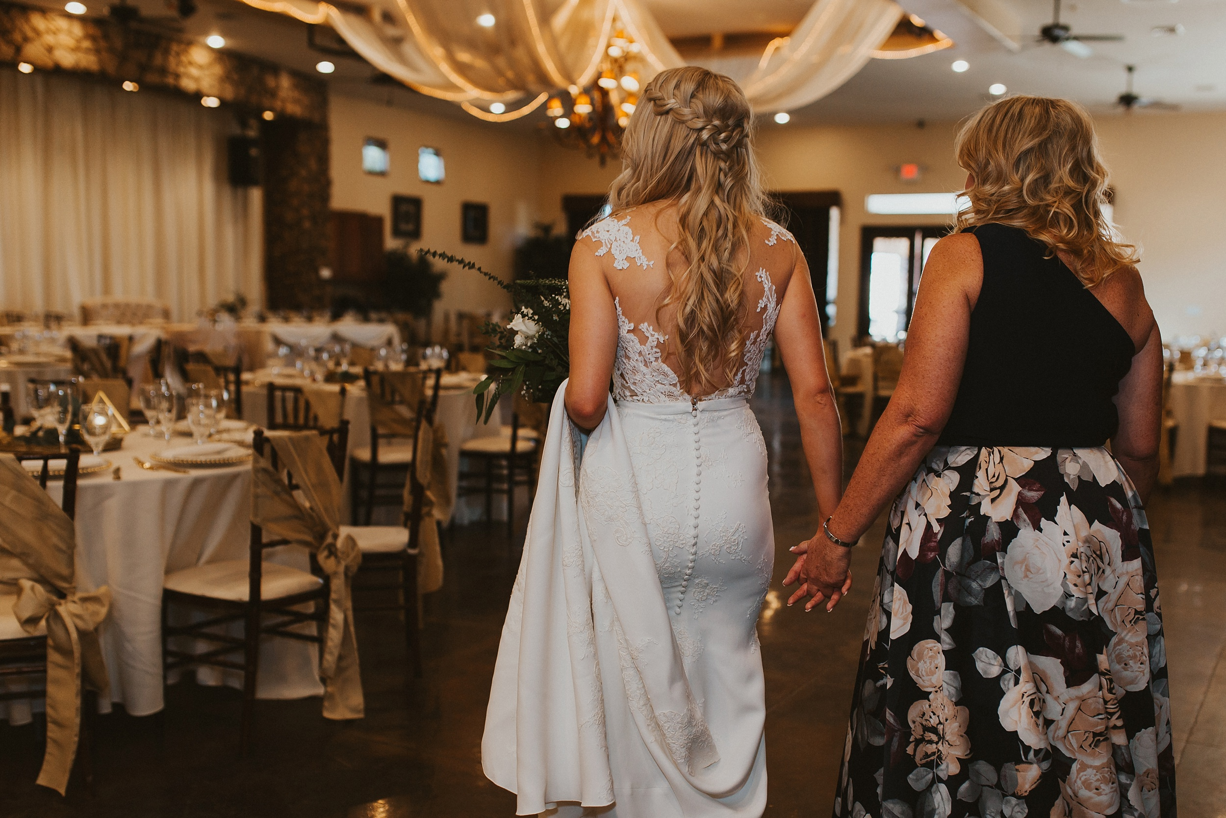 Meg+Bubba_Wedding_GettingReady_Arizona-464.jpg