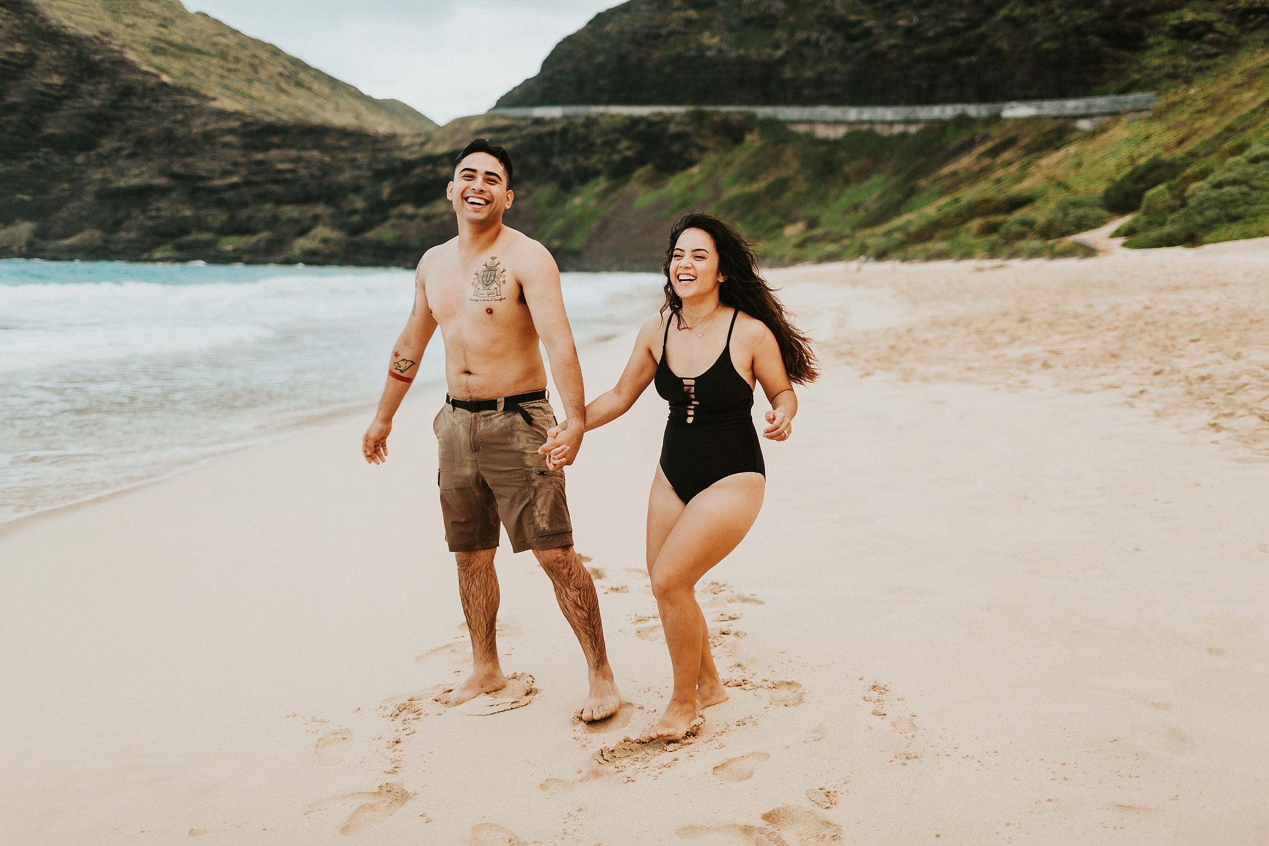 Jenize_Eduardo_Oahu_Hawaii_Couple_Session_Adventure-.jpg-12 MB-1--14.jpg