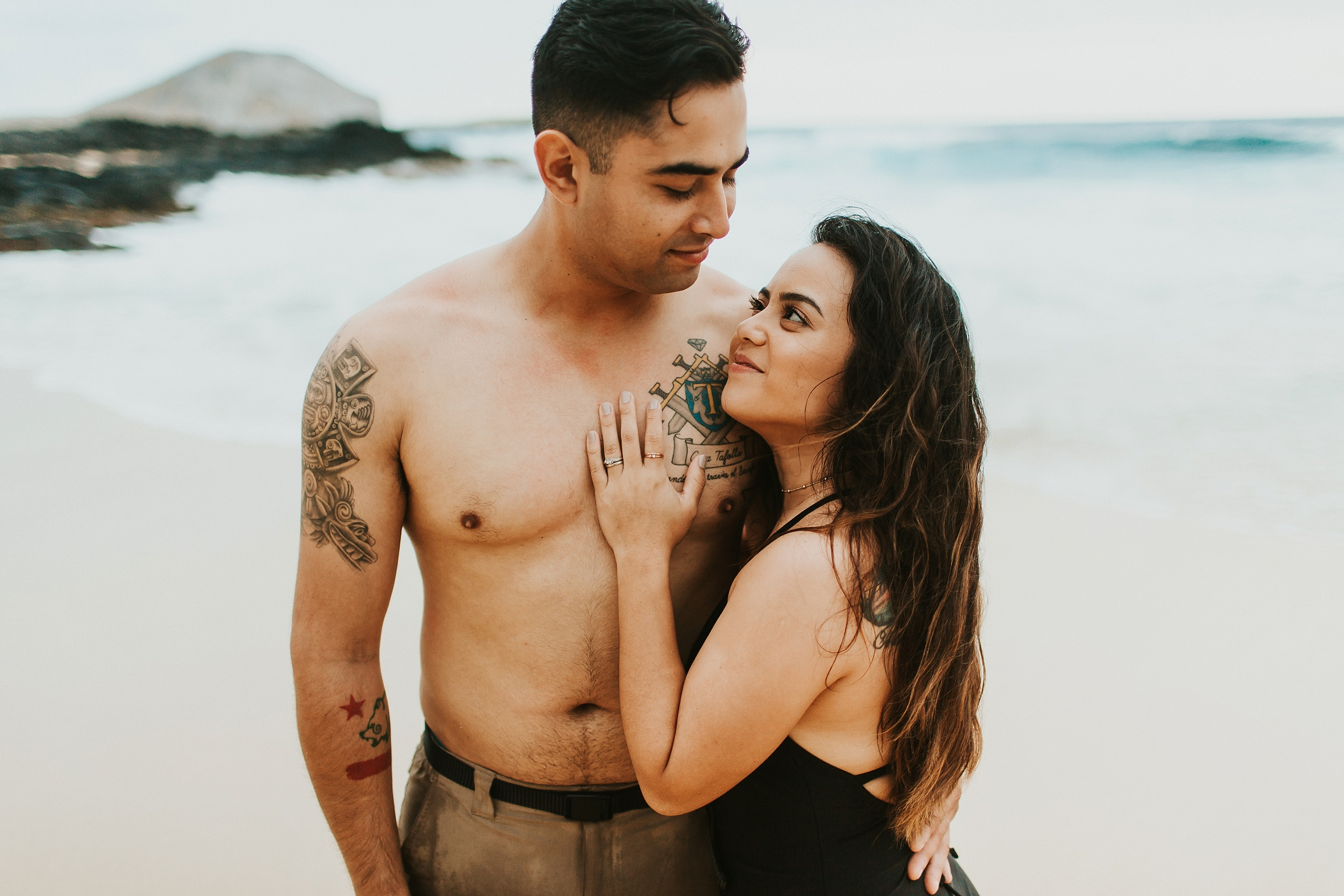 Jenize_Eduardo_Oahu_Hawaii_Couple_Session-43.jpg