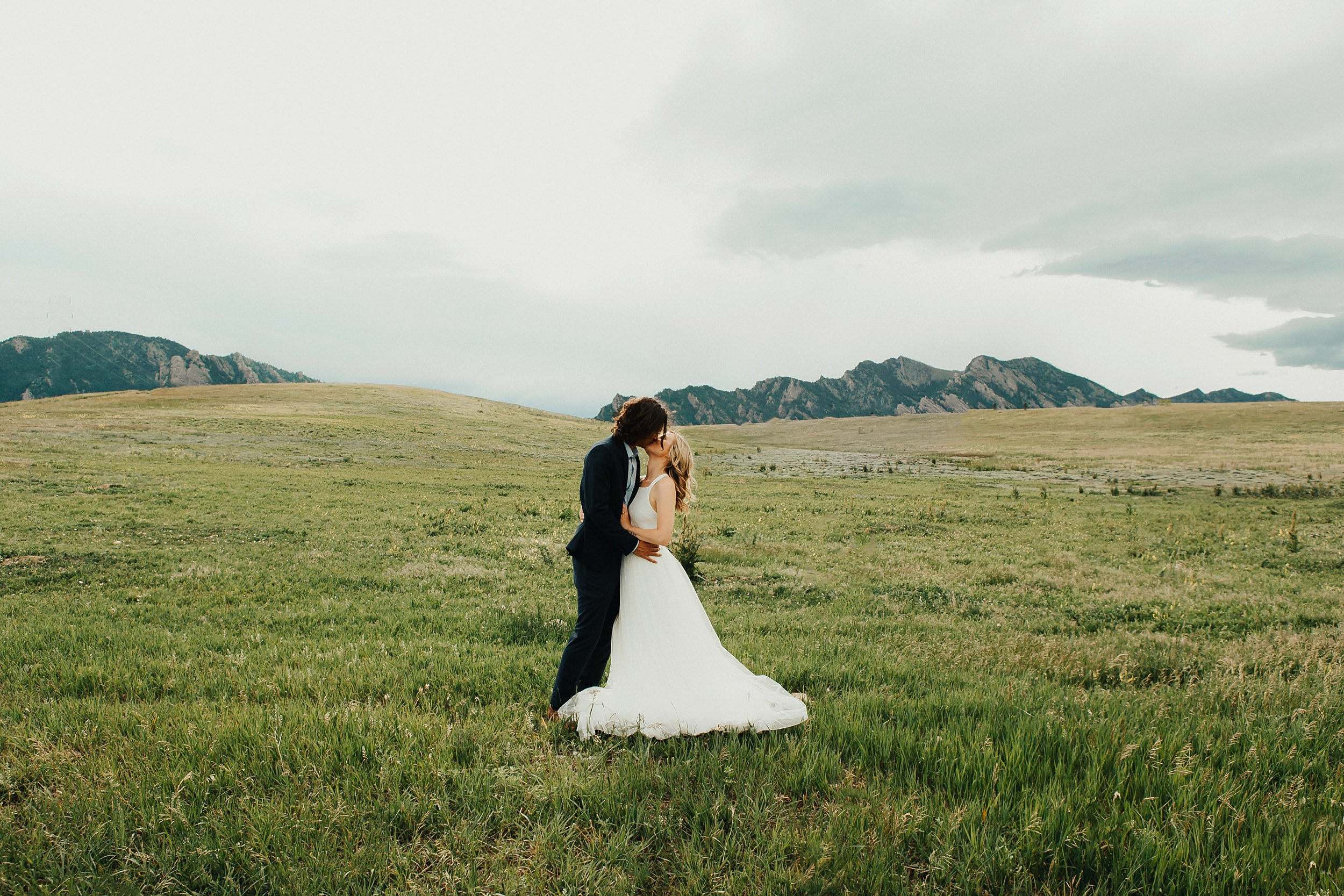 Boulder_Colorado_Elopement_Fringe_Boho_Mountains-4.jpg