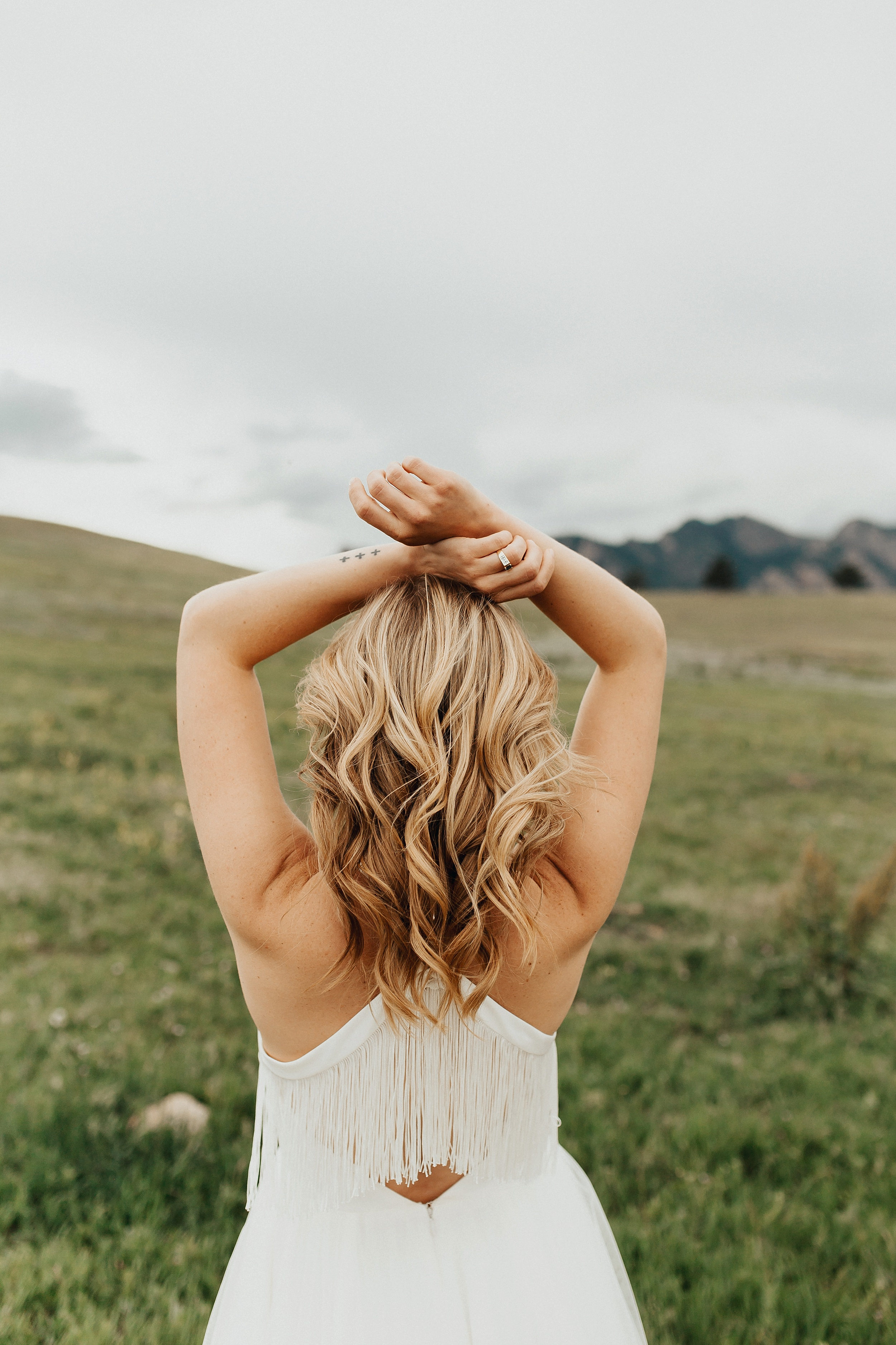 Boulder_Colorado_Elopement_Fringe_Boho_Mountains-11.jpg