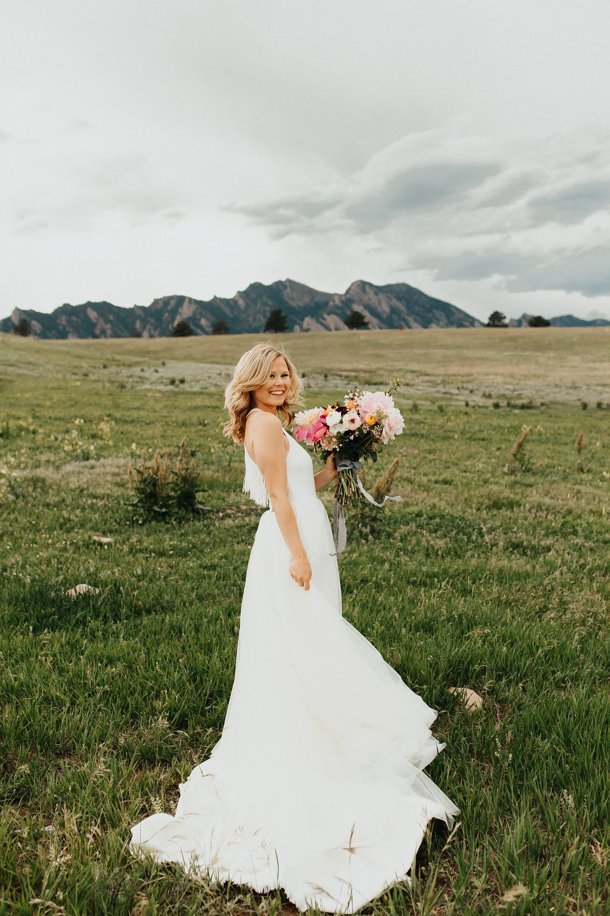 Boulder_Colorado_Elopement_Fringe_Boho_Mountains-12.jpg