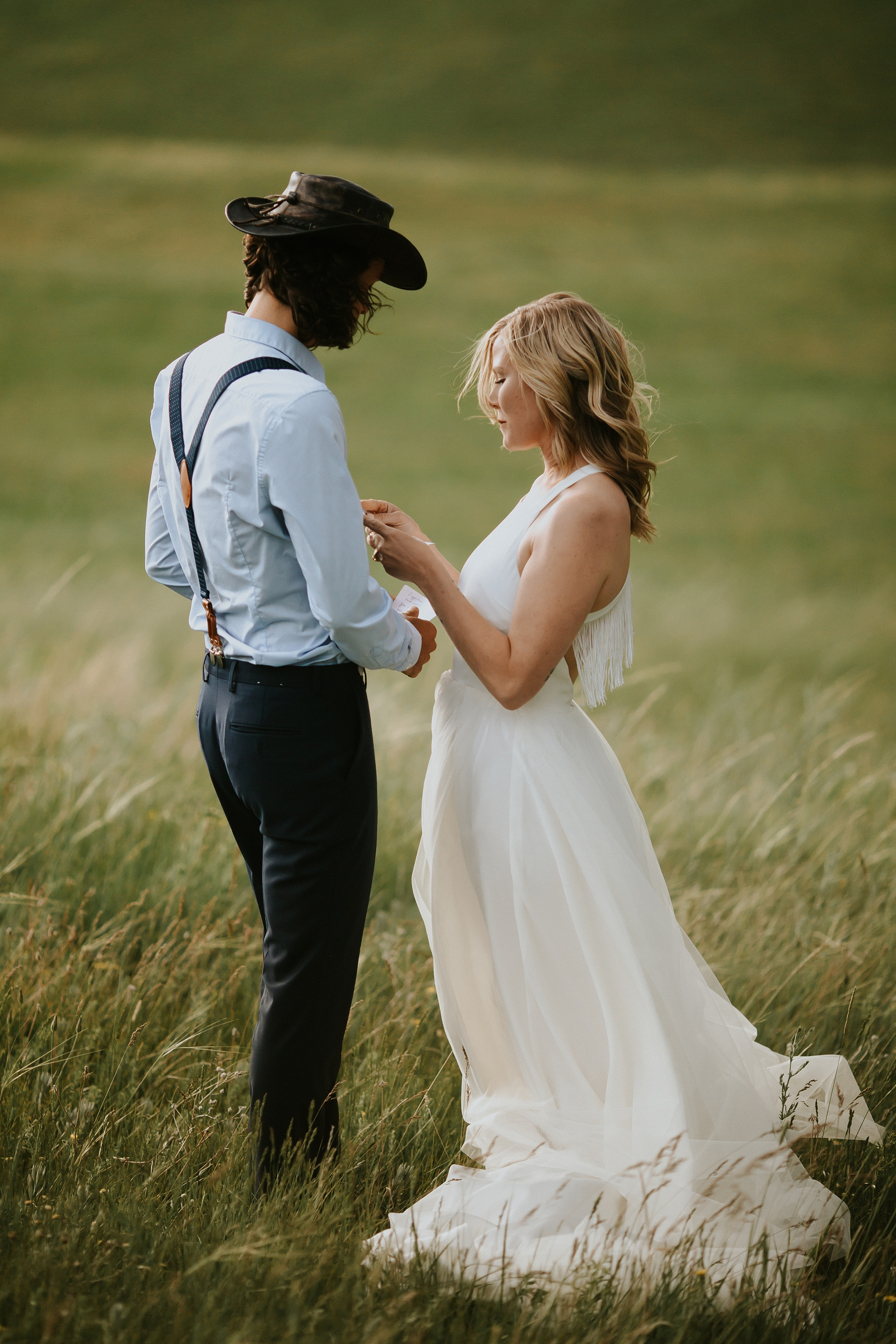 Boulder_Colorado_Elopement_Fringe_Boho_Mountains-33.jpg