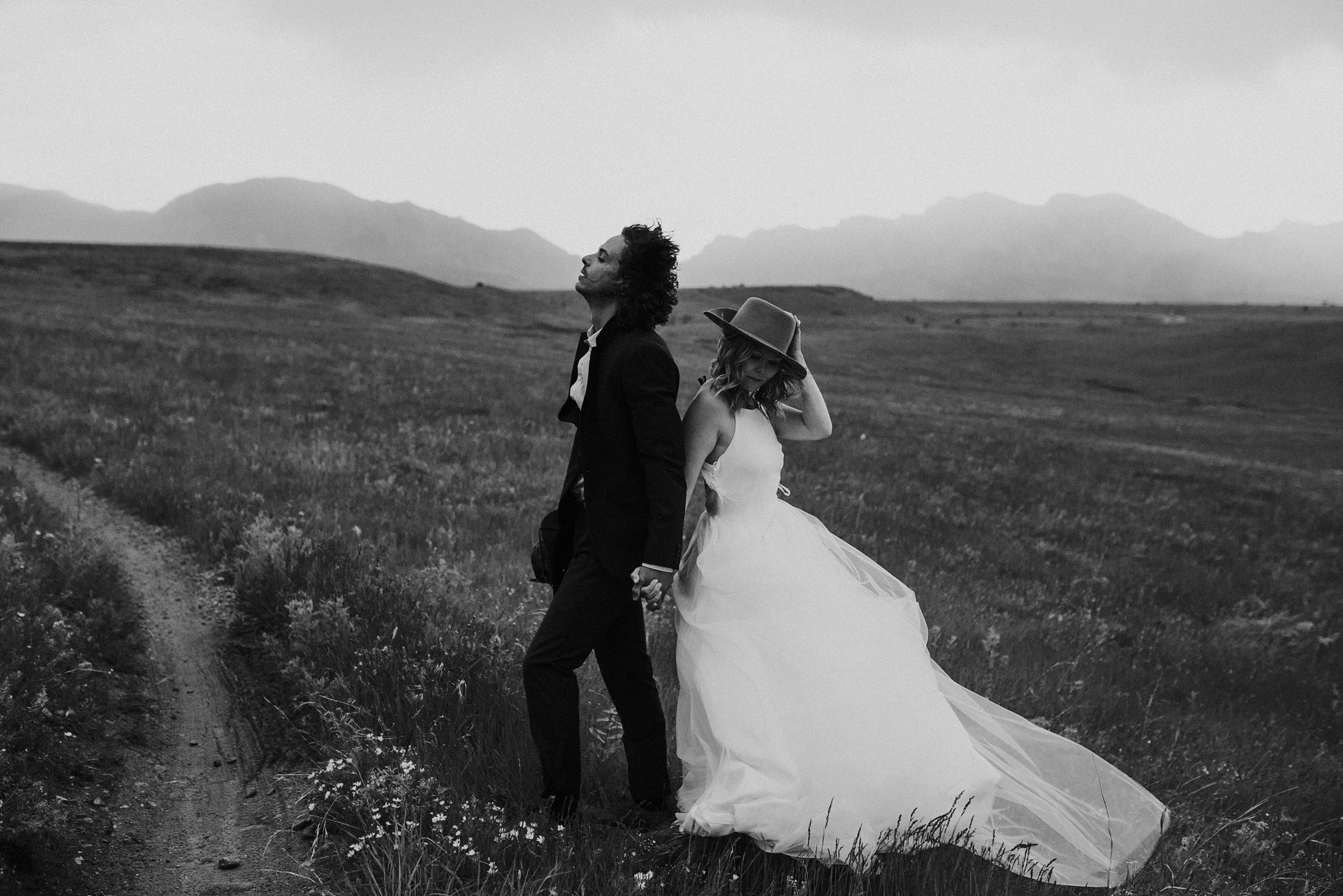 Boulder_Colorado_Elopement_Fringe_Boho_Mountains-22.jpg