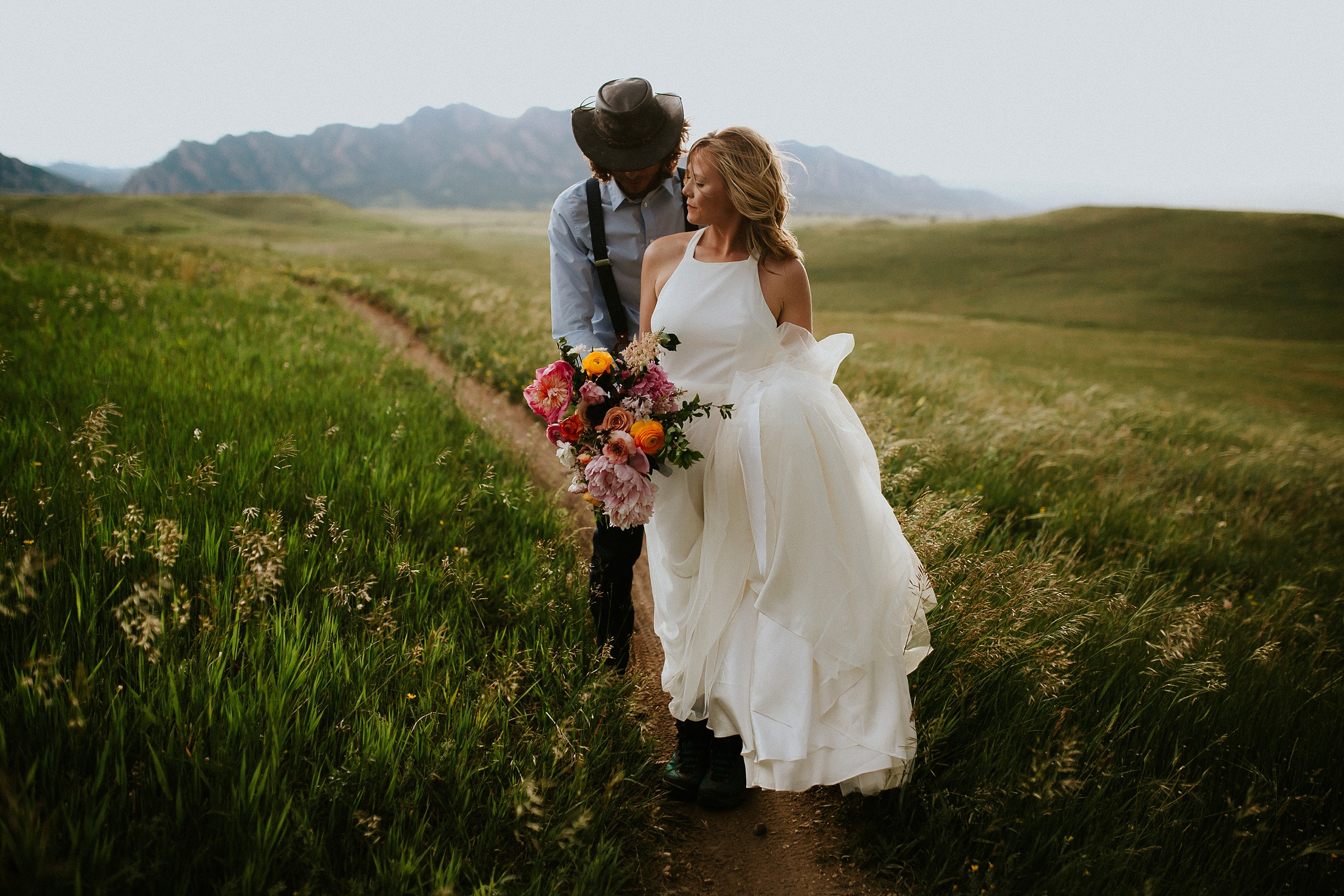 Boulder_Colorado_Elopement_Fringe_Boho_Mountains-29.jpg